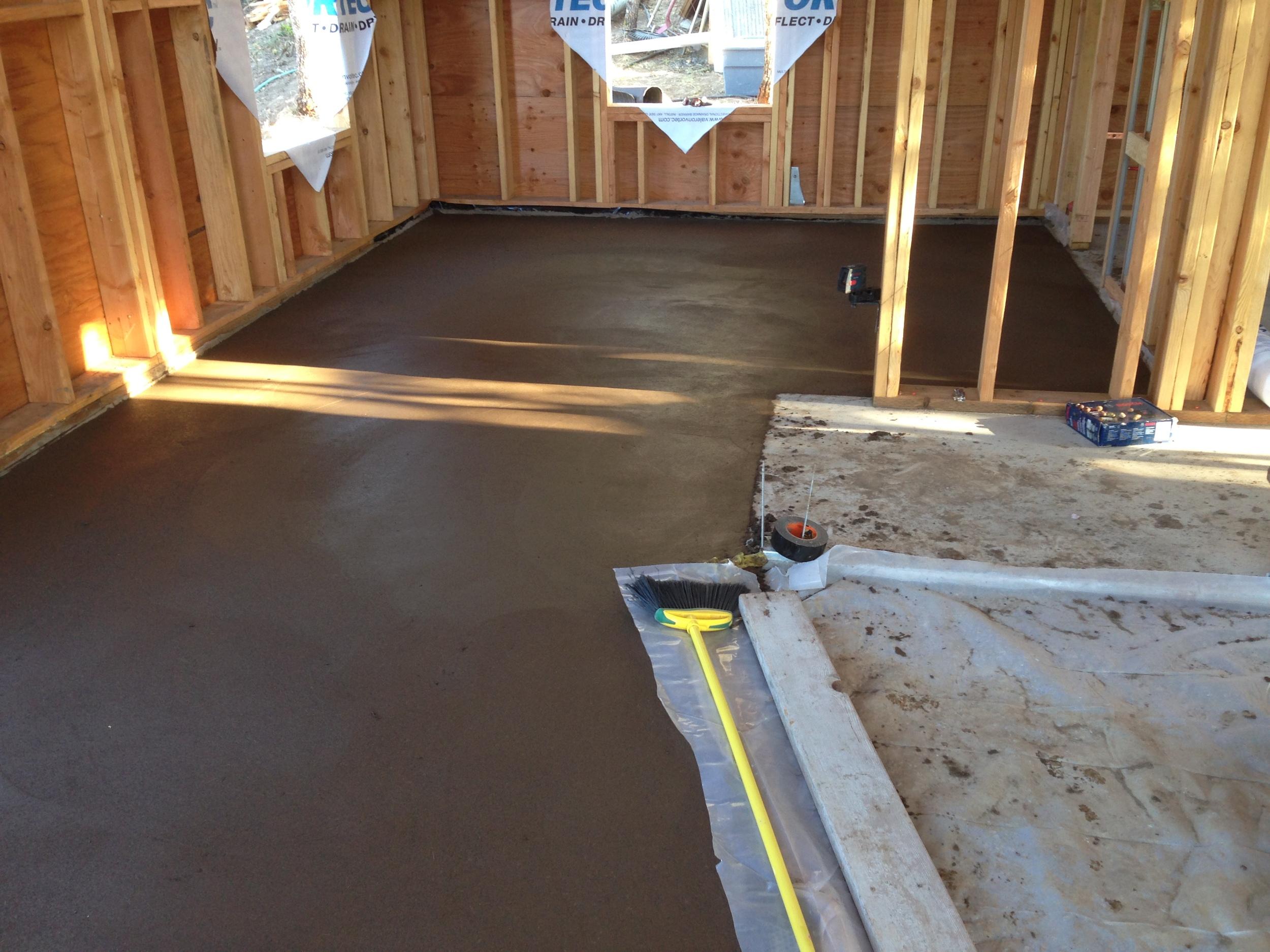 mosier house - earthen floor.JPG