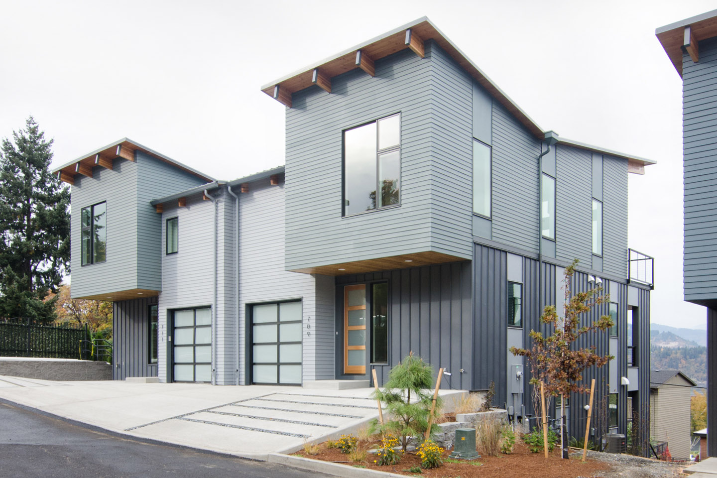 cascadia townhomes_hood river_state st.jpg