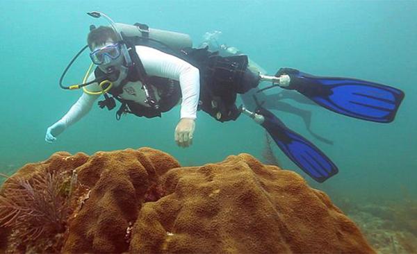 scuba-diving-prosthetics