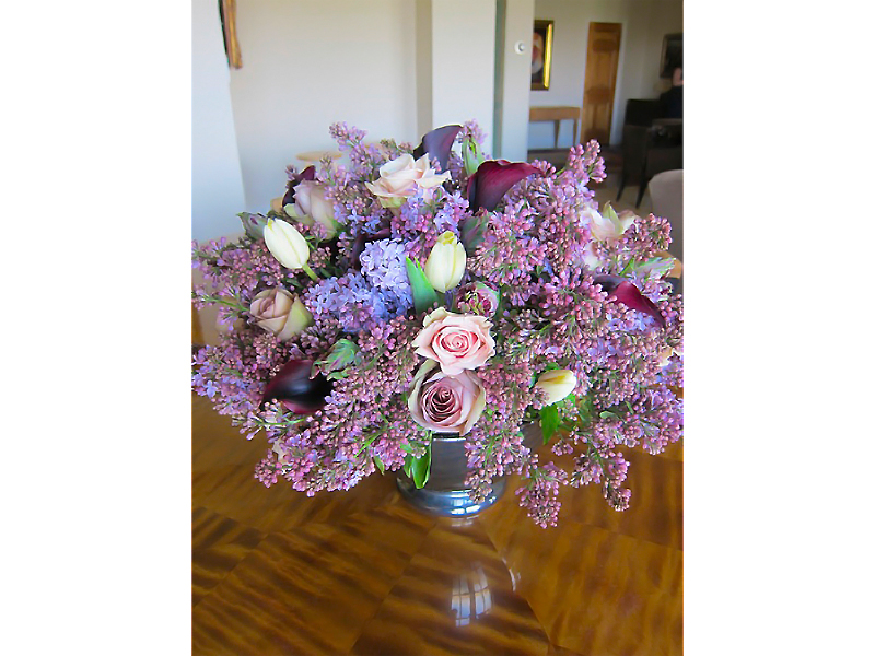 Tom Borgese_arrangements_Roses Tulips and Lilacs.jpg