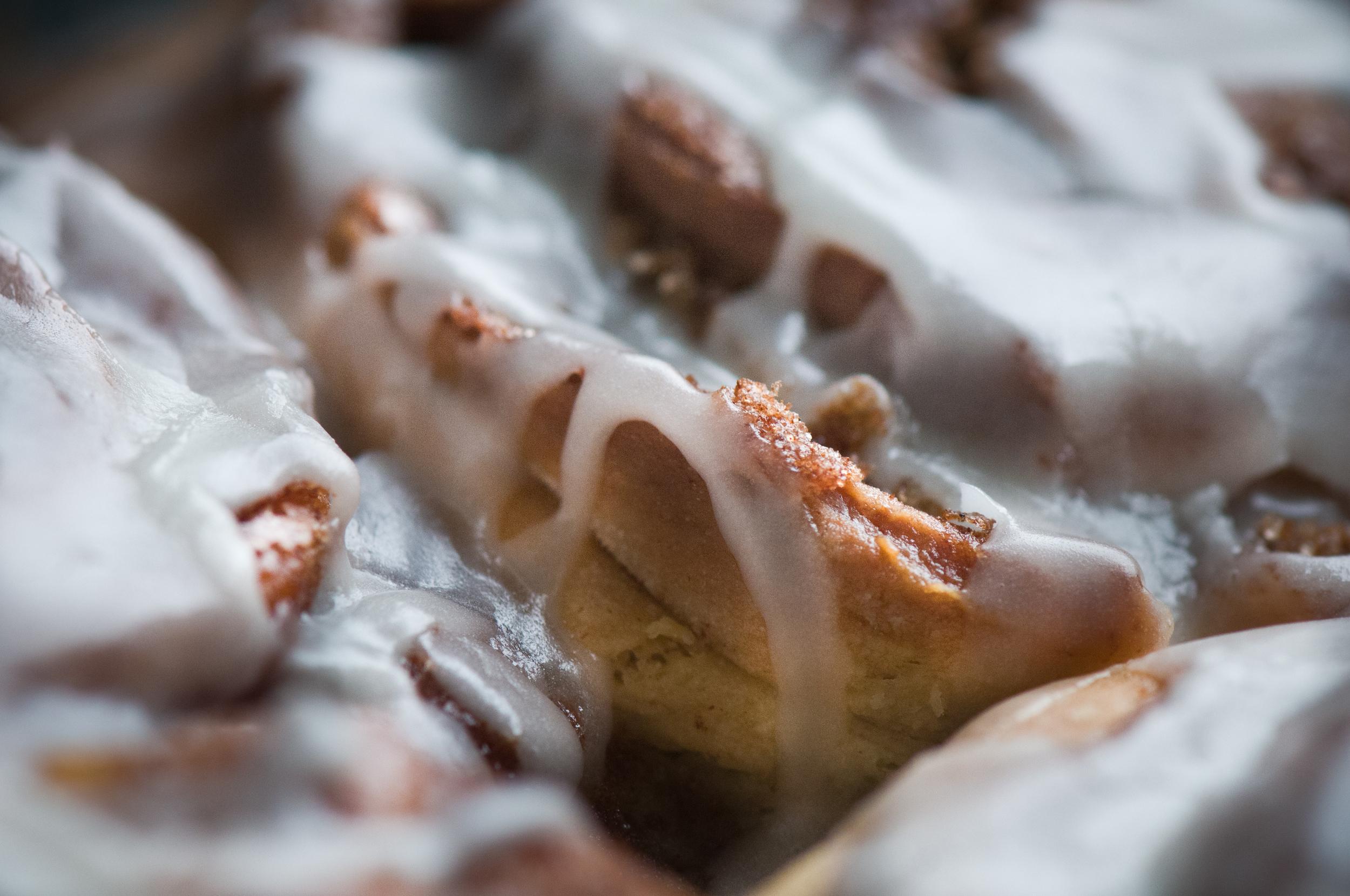 michelle food cinnamon buns 2.jpg