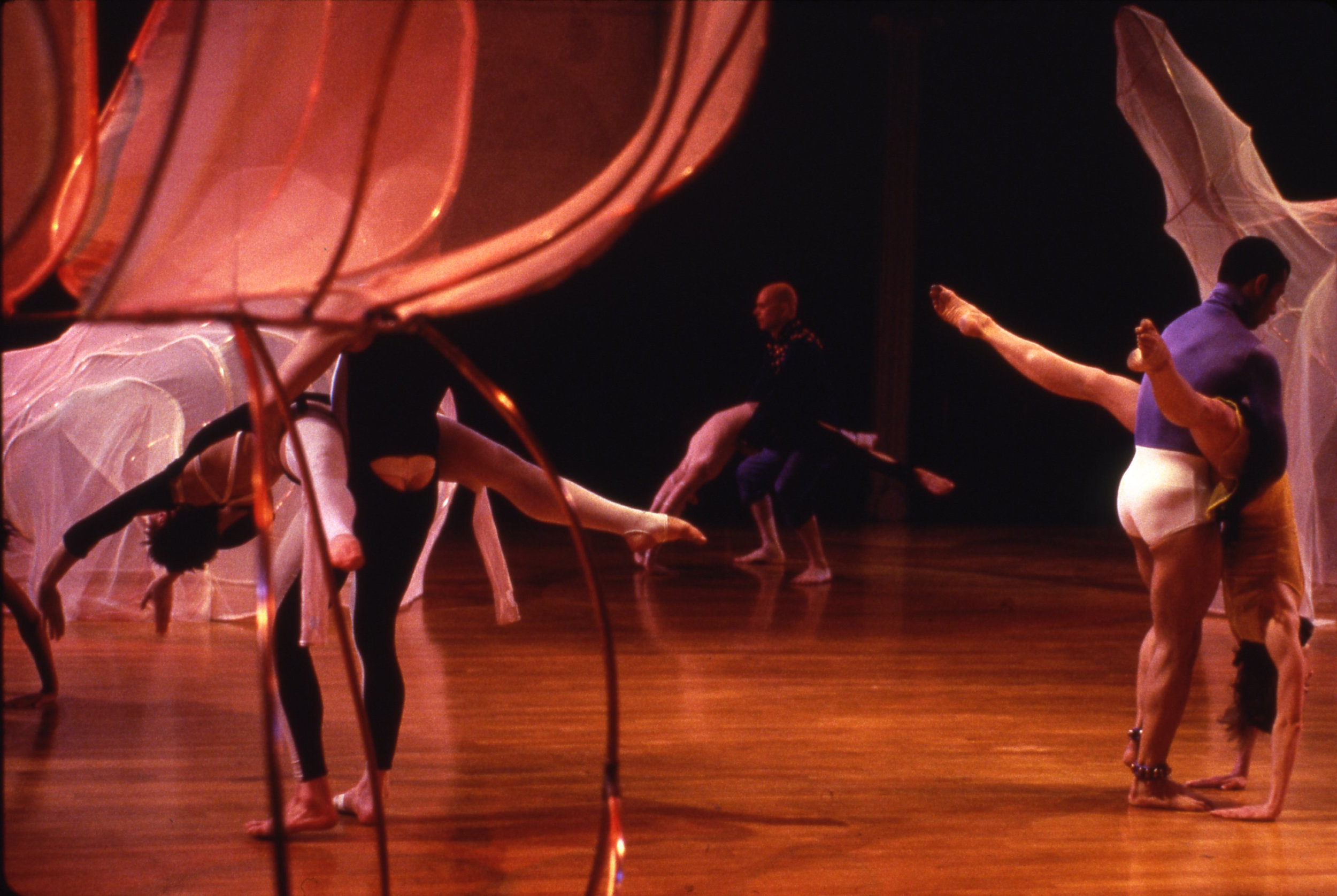 08_MimiGross_Set:CharlesAtlas,Costumes:Douglas Dunn+Dancers_%22CoccaMocca%22_1998_4of5.jpg