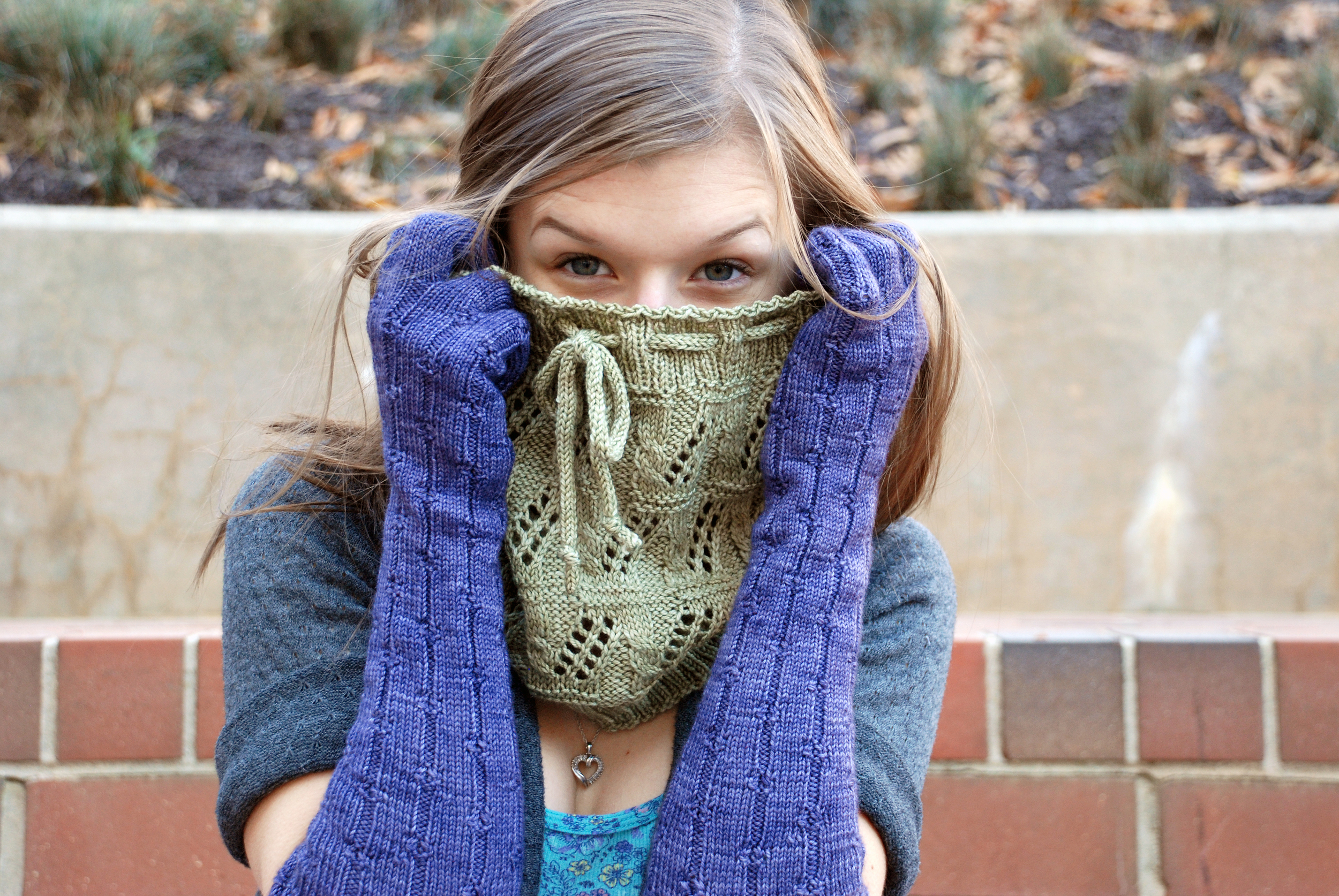 Dalawa, knit in Squishy, shown in Clay. (Gloves are by Katherine Vaughan in Squishy Fiona.)