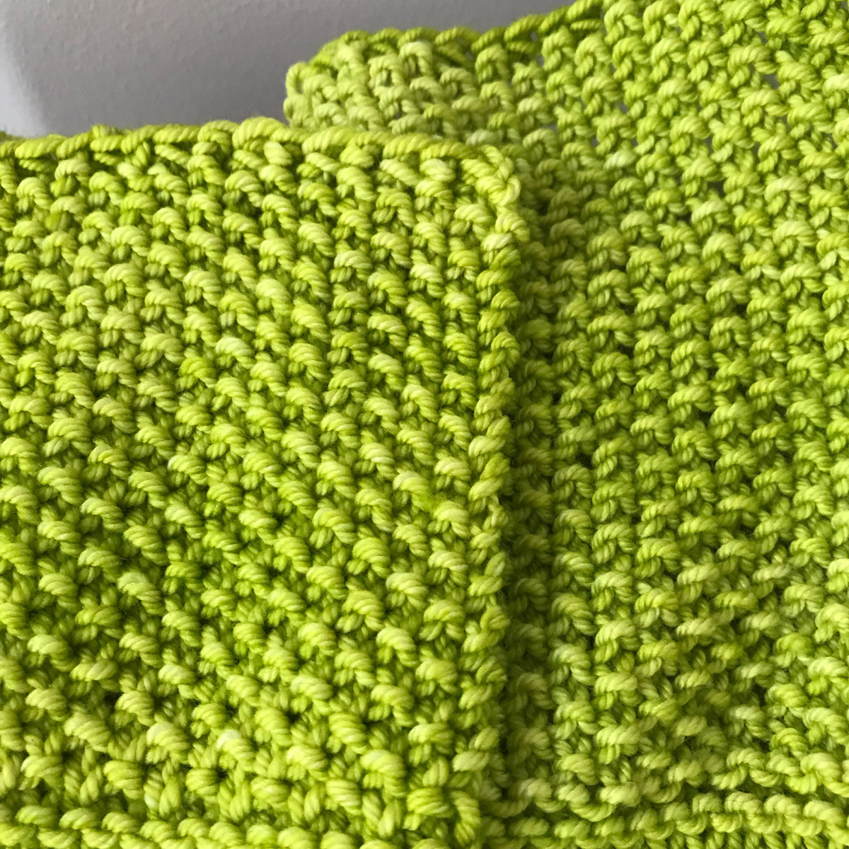 Seed Stitch Blocked vs. Unblocked