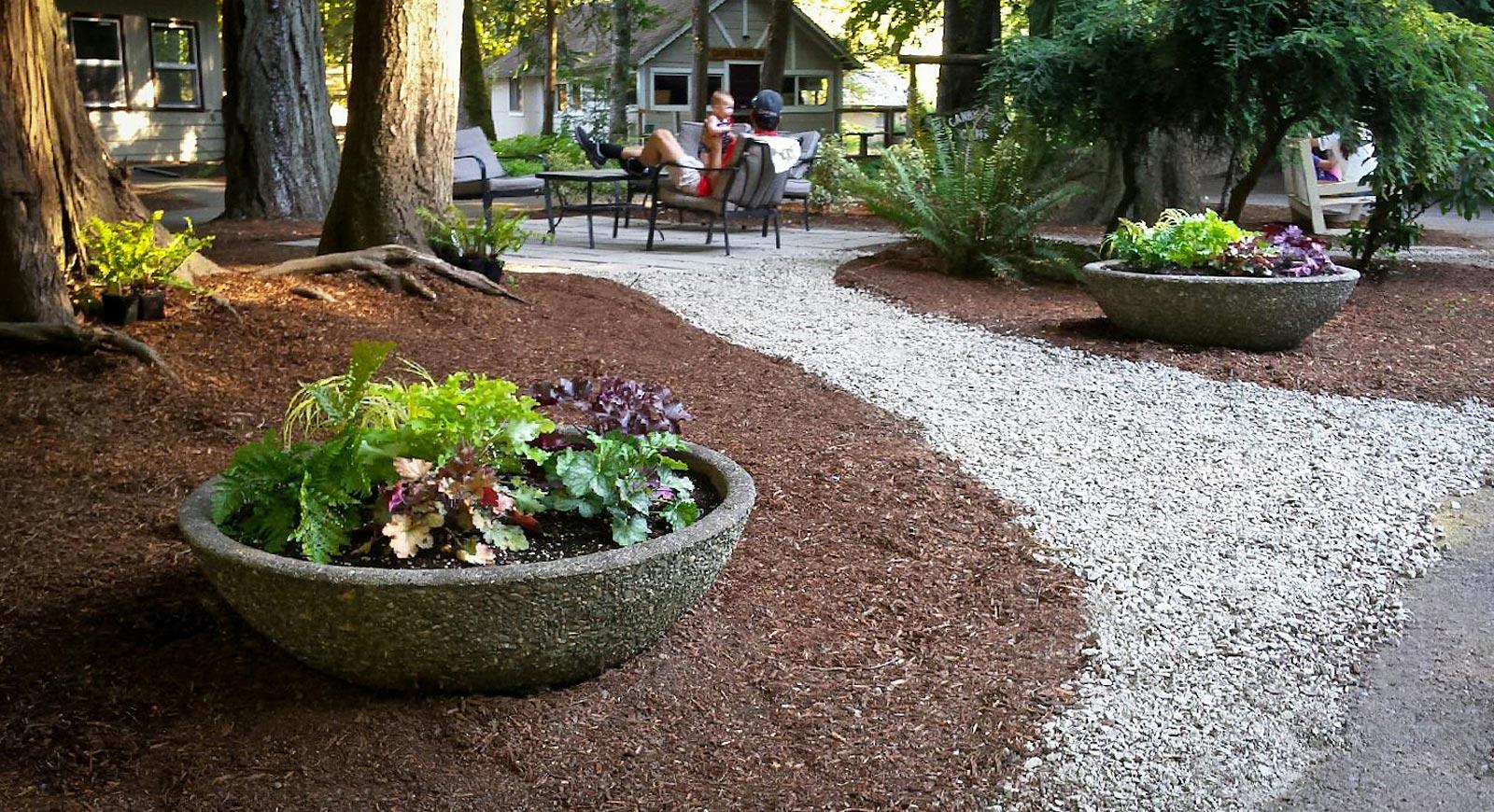 grounds-courtyard.jpg