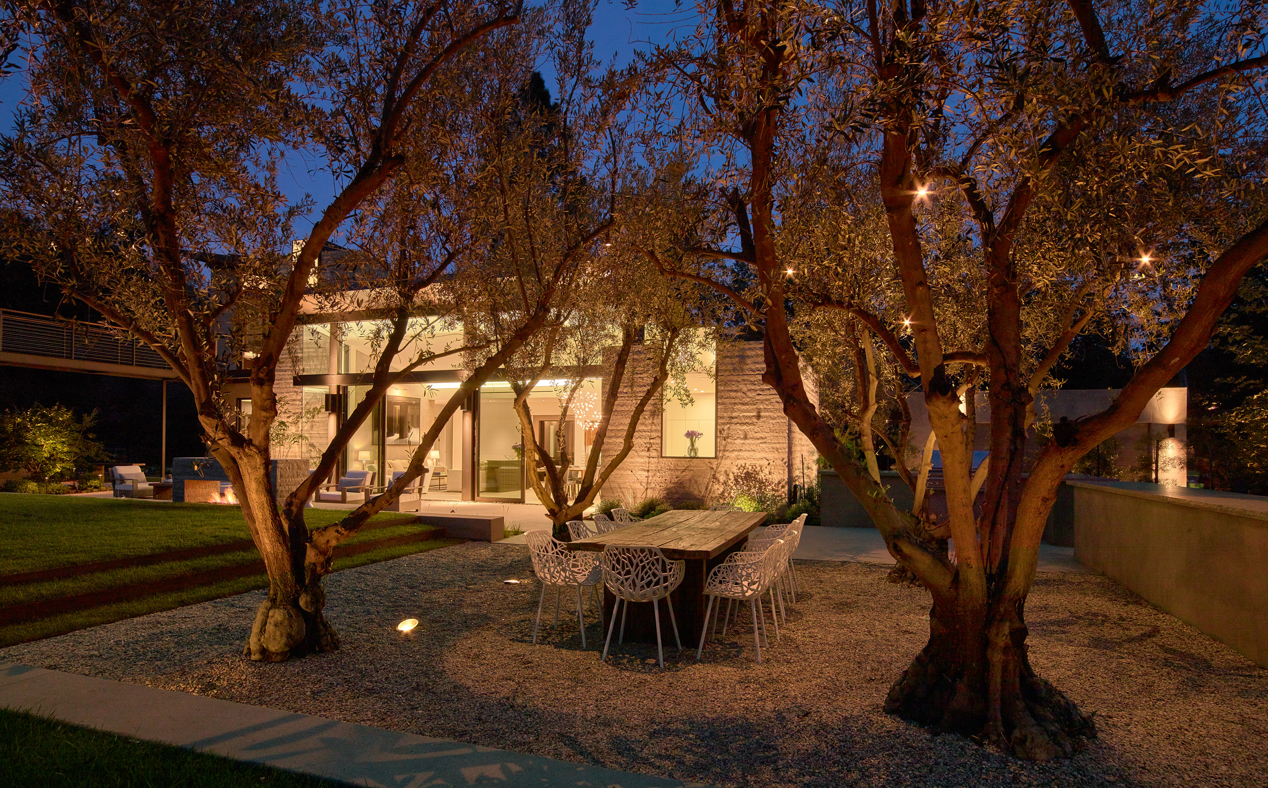 Mandeville house - Dining in the olive grove