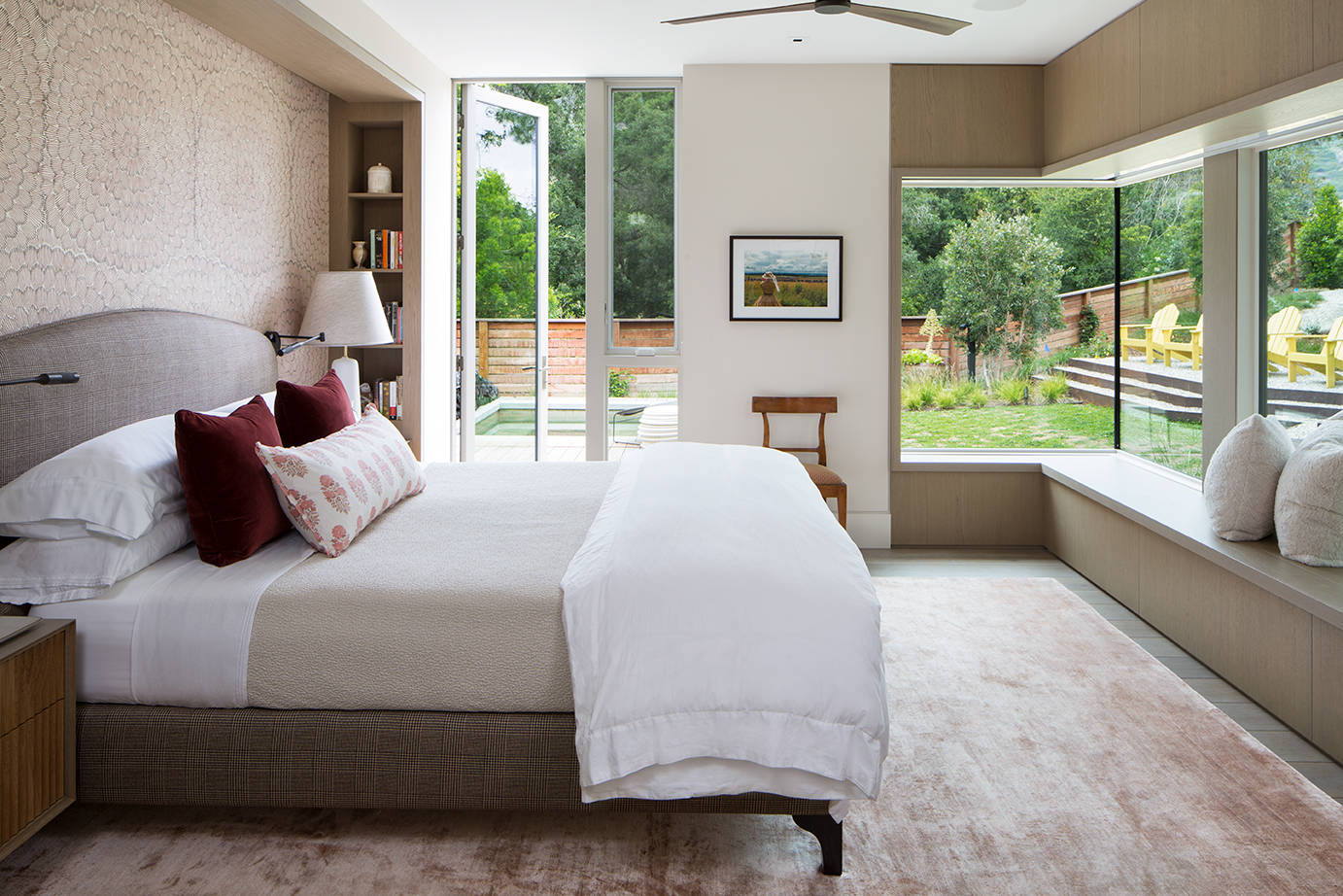 DunsmuirInstituteArchitects_Mandeville_MeghanBobPhoto_MasterBedroomSideView_WEB.jpg