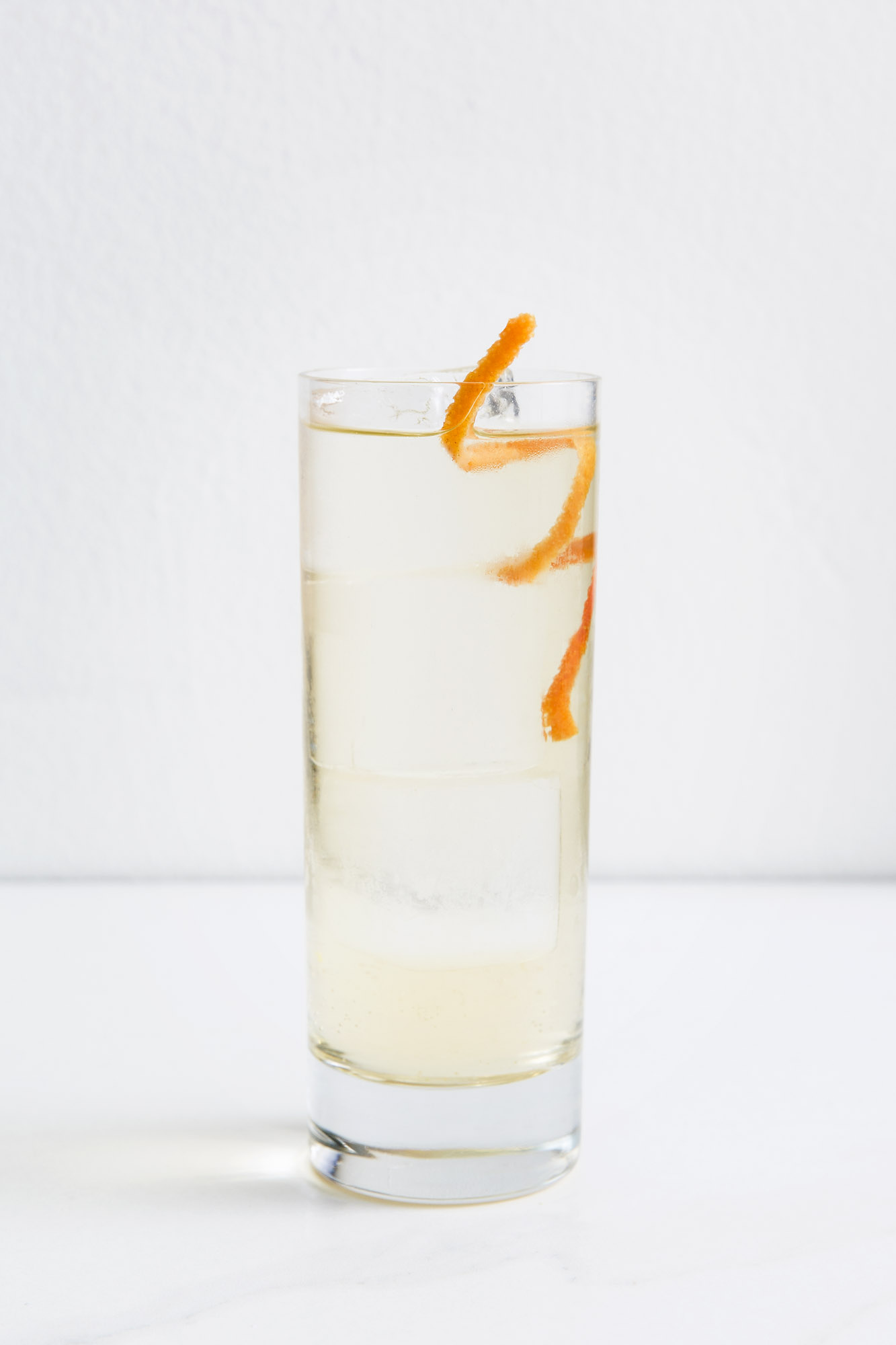 CHAREAU & SODA   2 oz Chareau  Soda  Pour Chareau over Ice and top with your choice of all-natural flavored soda. Garnish with citrus.  (Grapefruit Soda and Grapefruit Peel shown)