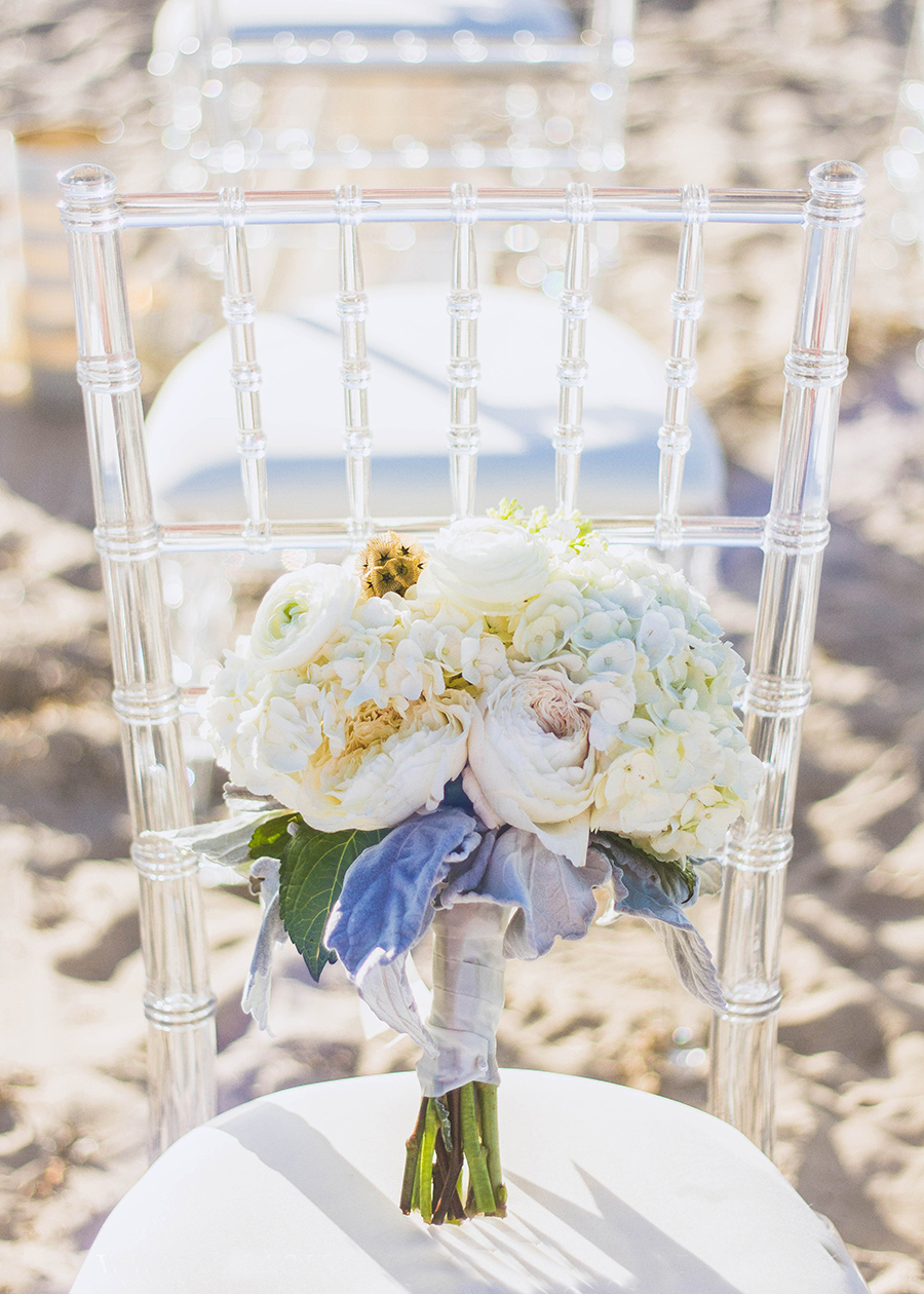 White Bouquet | Clear Chiavari Charis | South Padre Island Weddings | JoAnna Dee Weddings