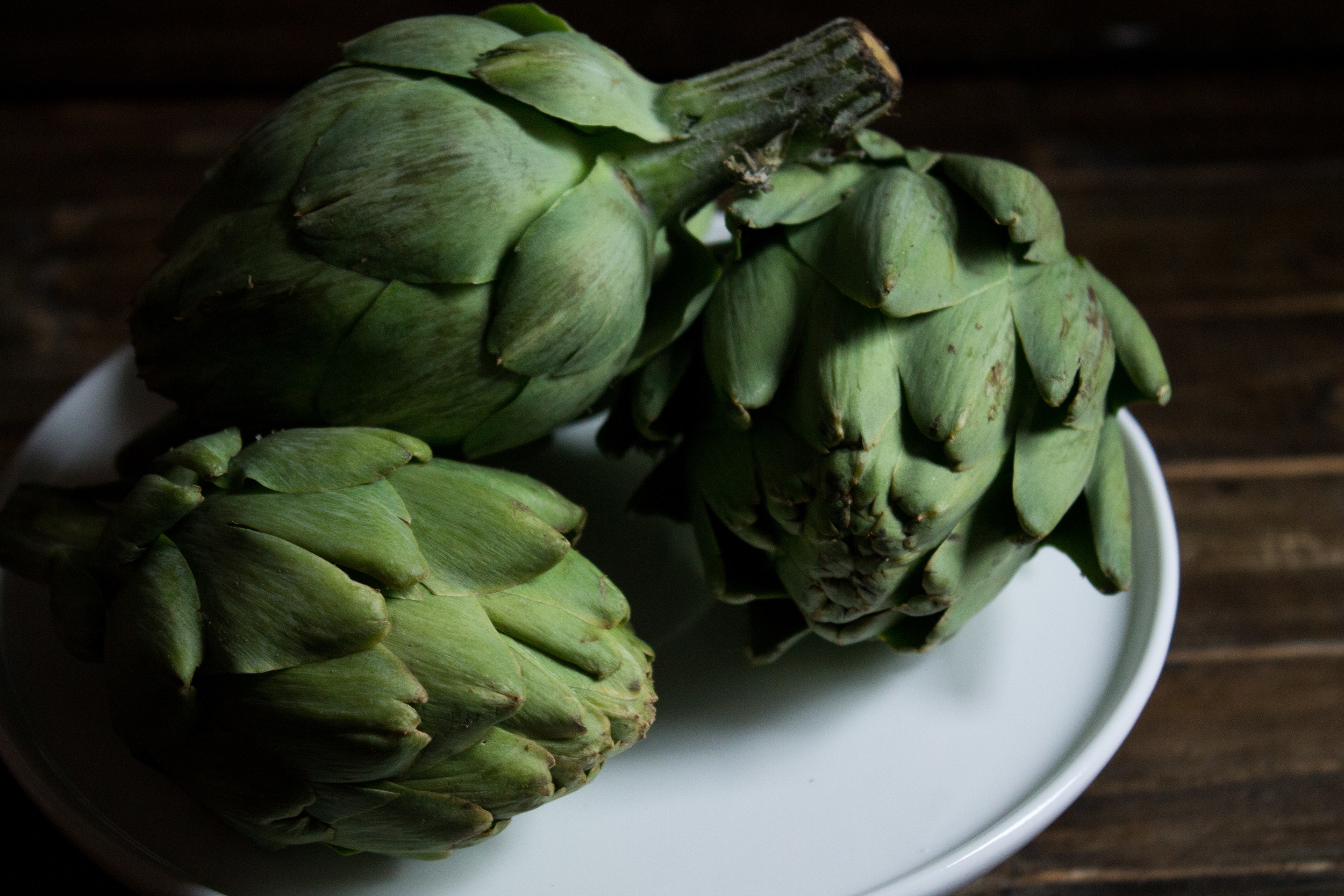 Steamed Artichokes with Hollandaise {Pedantic Foodie}