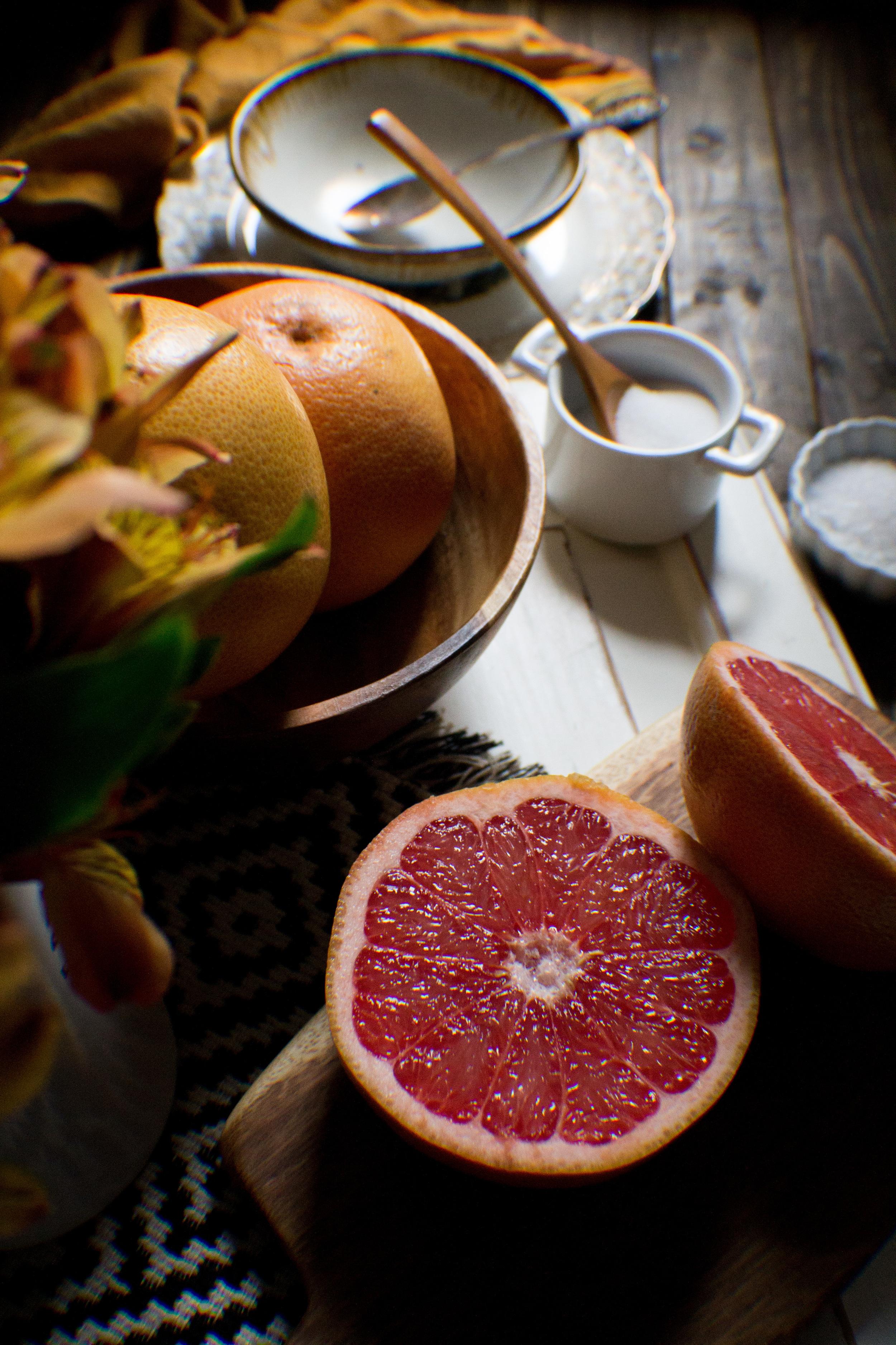 Simple Brûléed Grapefruit {Pedantic Foodie}