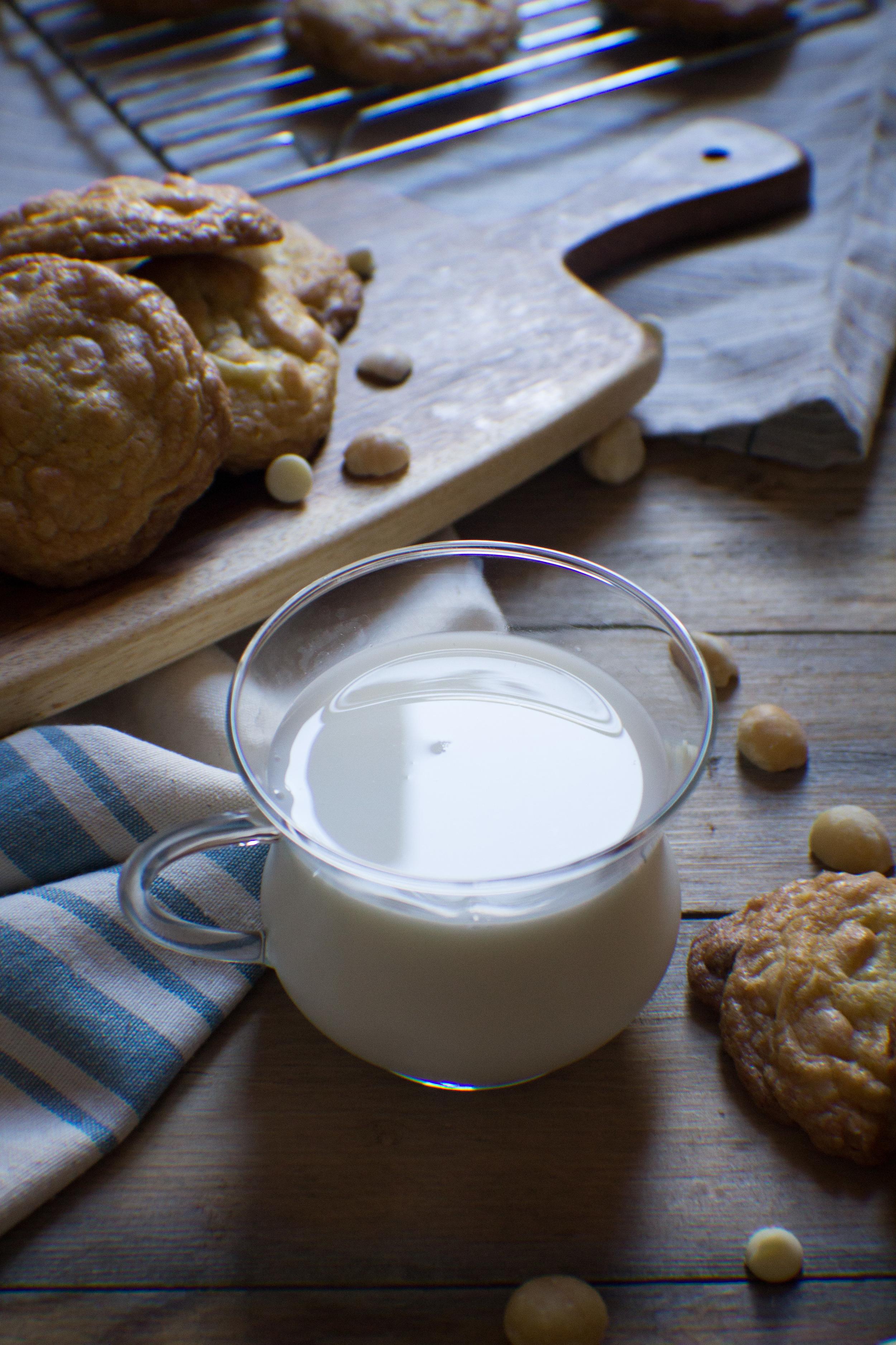 White Chocolate Macadamia Nut Cookies {Pedantic Foodie}