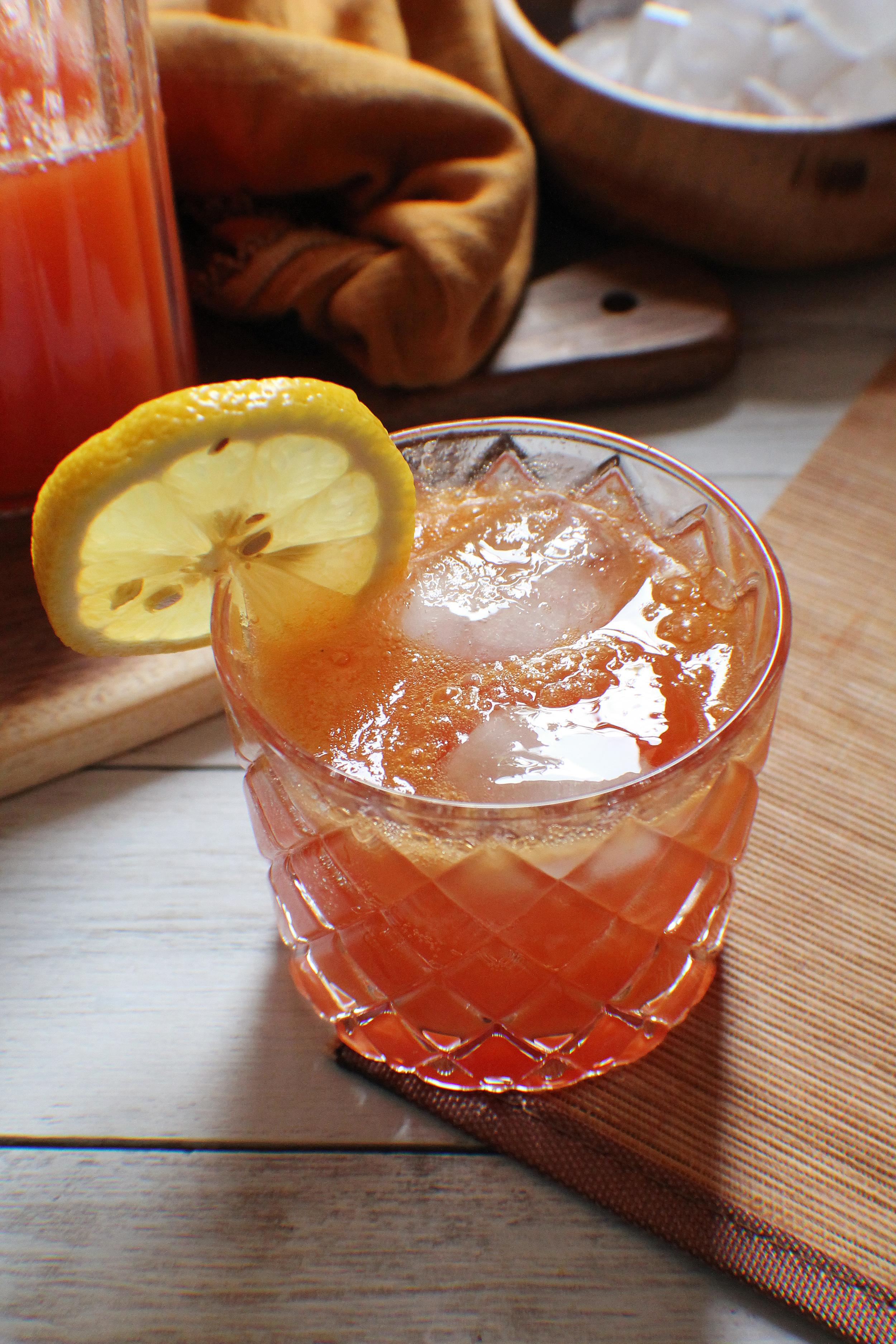 Papaya Lemonade Spritzer {Pedantic Foodie}