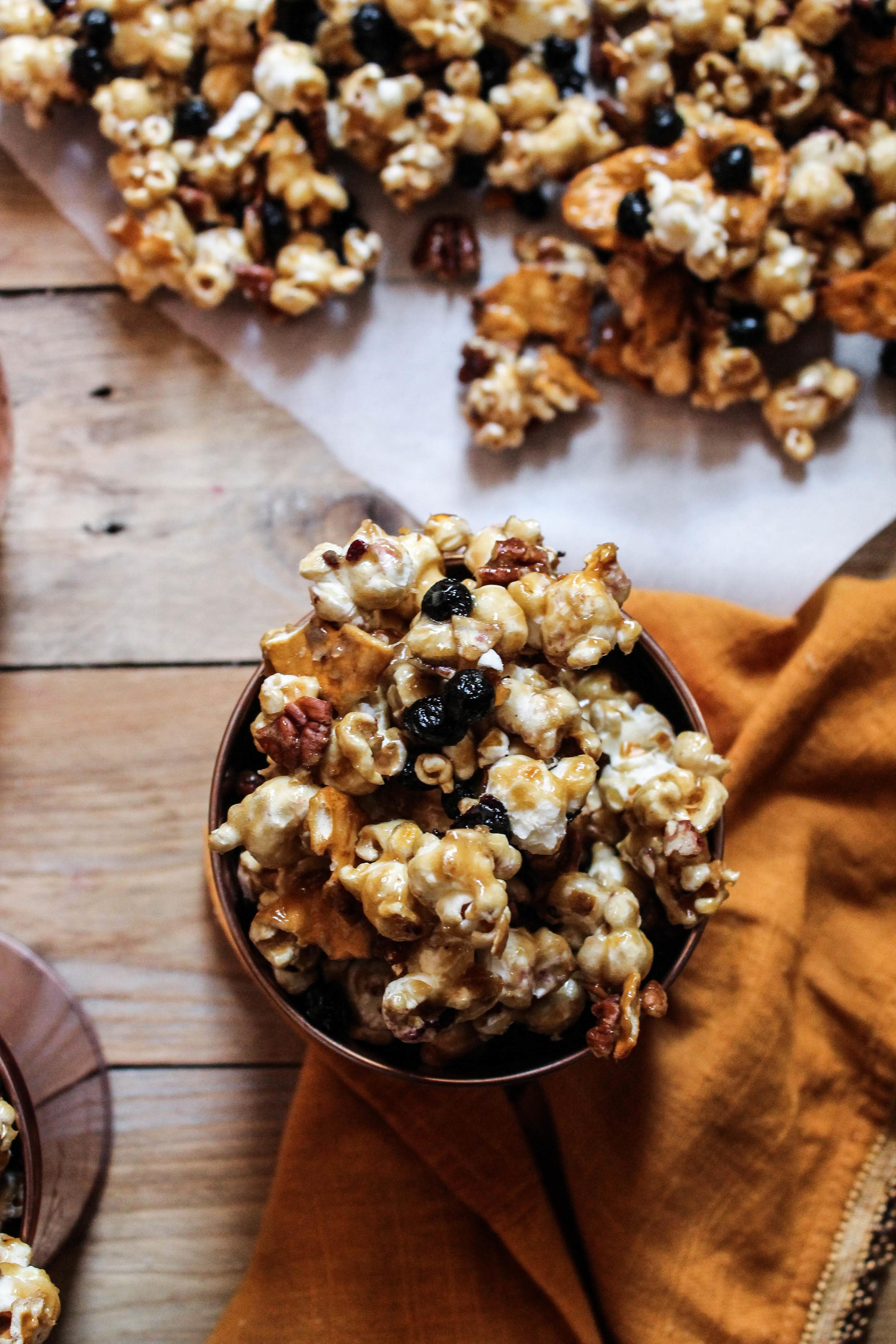 Autumn Caramel Corn {Pedantic Foodie}
