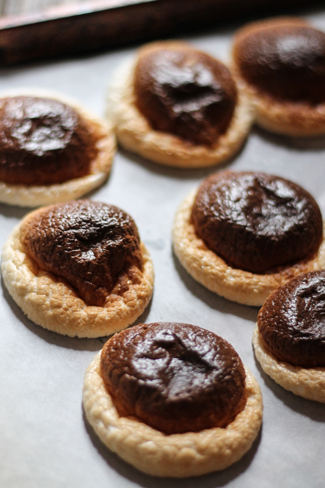 Gingerbread Toasted Marshmallow Chocolate Milkshakes {Pedantic Foodie}