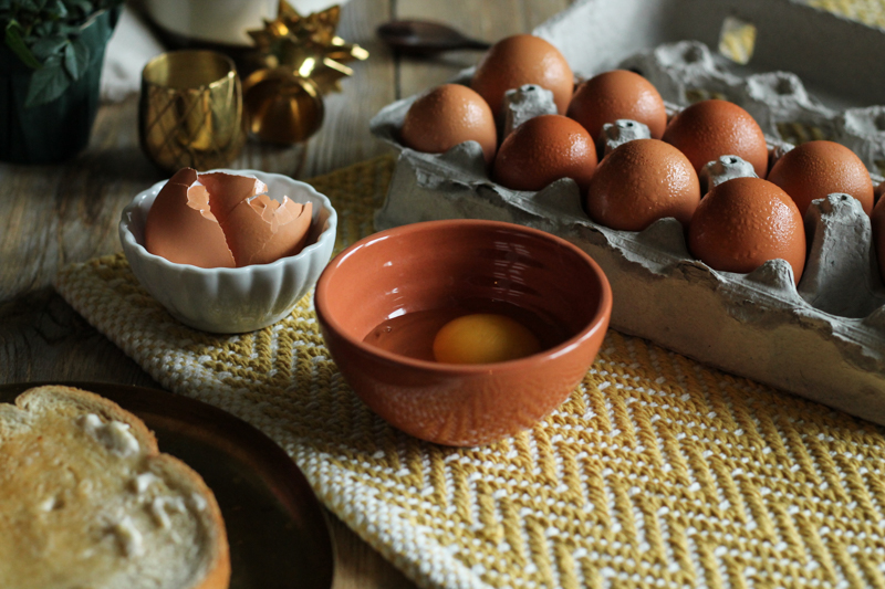 How to Poach an Egg {Pedantic Foodie}