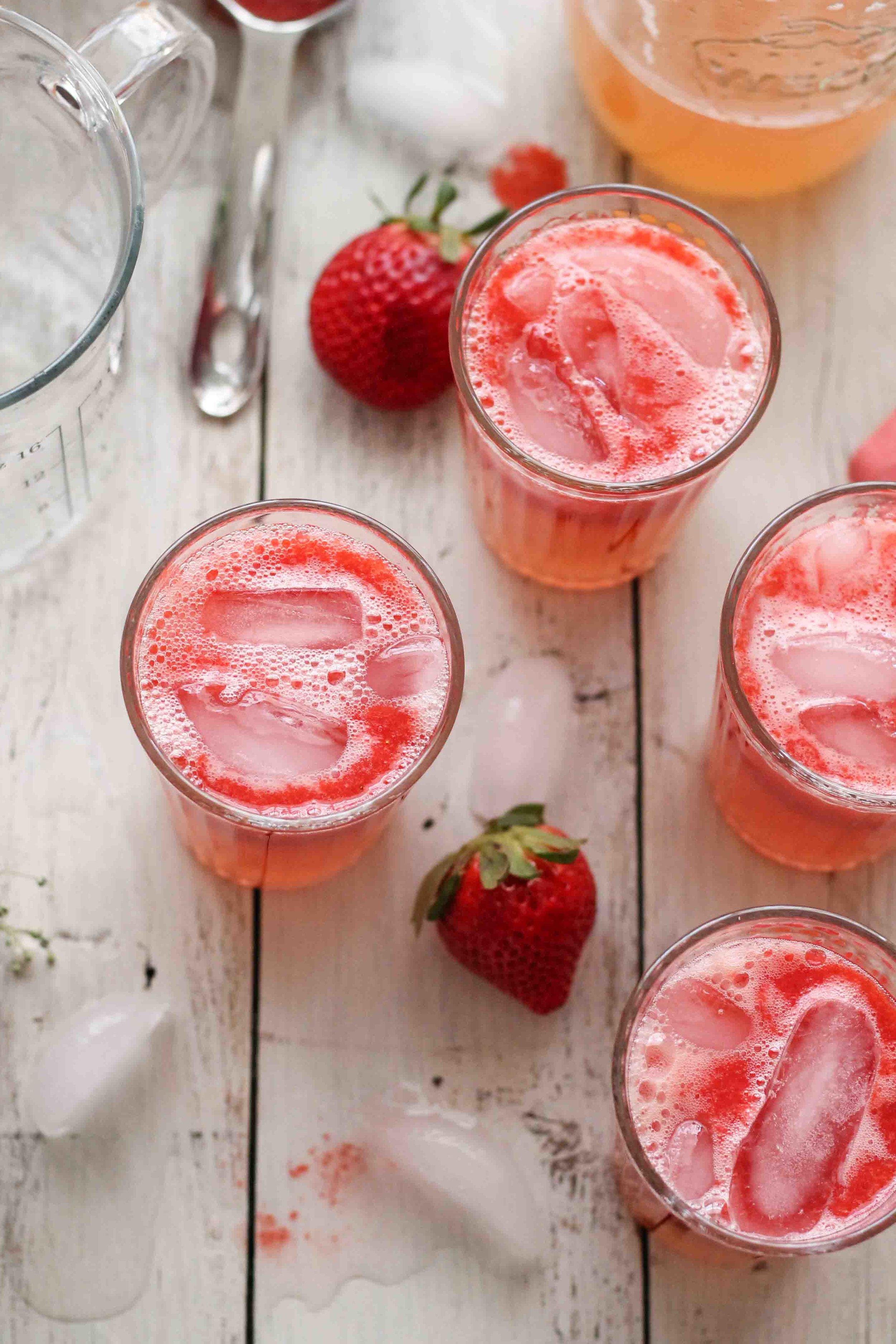 Grapefruit Strawberry Spritzer {Pedantic Foodie}