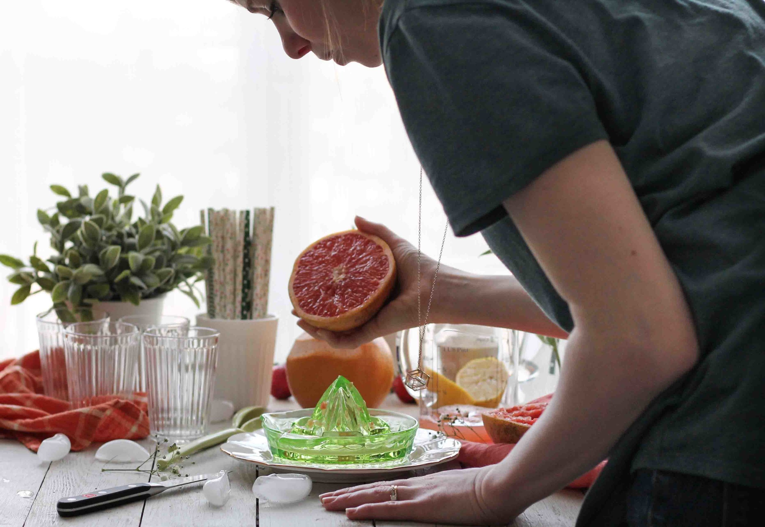 Strawberry Grapefruit Spritzers {Pedantic Foodie}