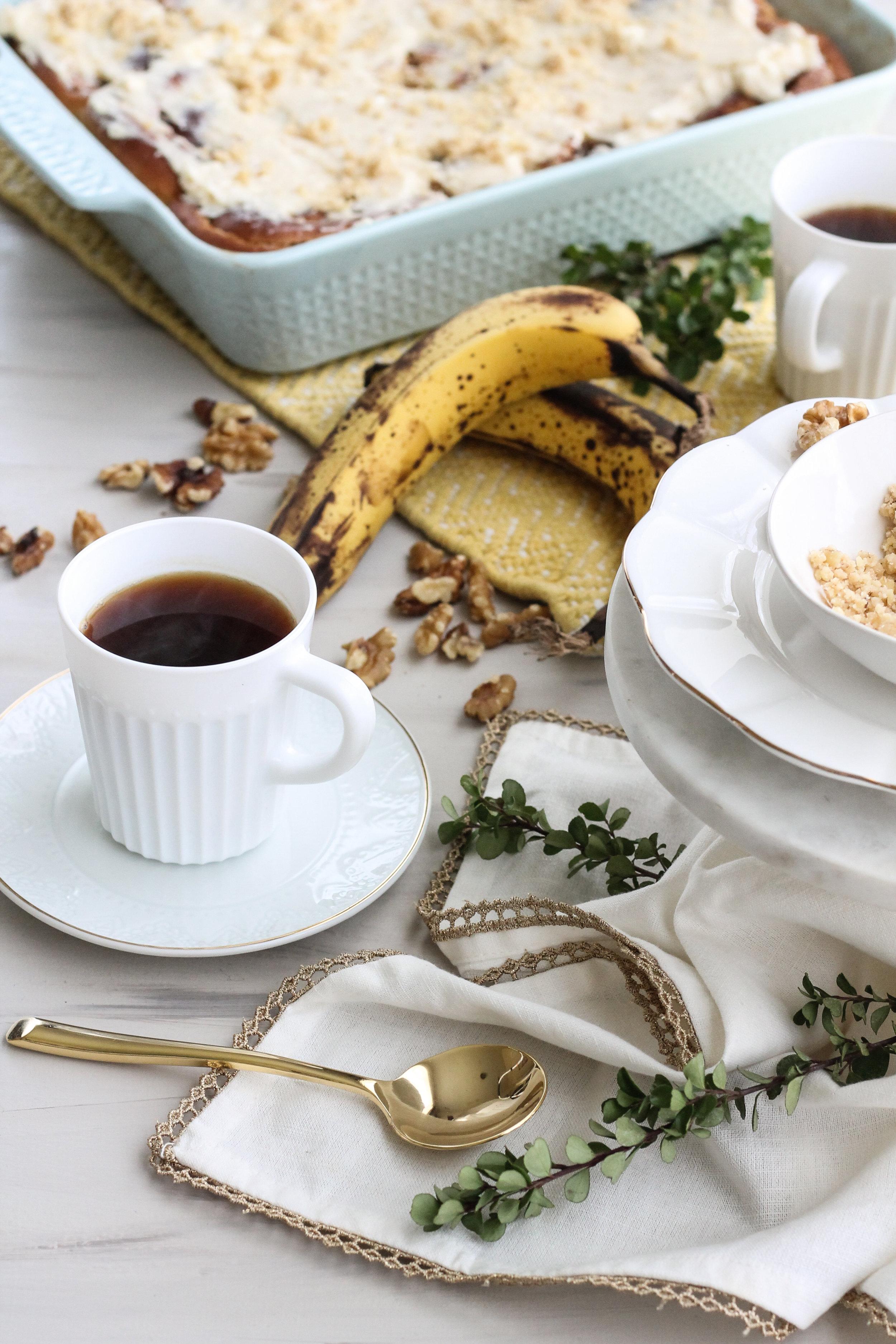 BANANA BREAD CINNAMON ROLLS WITH WALNUT PRALINE WILL CHANGE YOUR LIFE [ www.pedanticfoodie.com ]