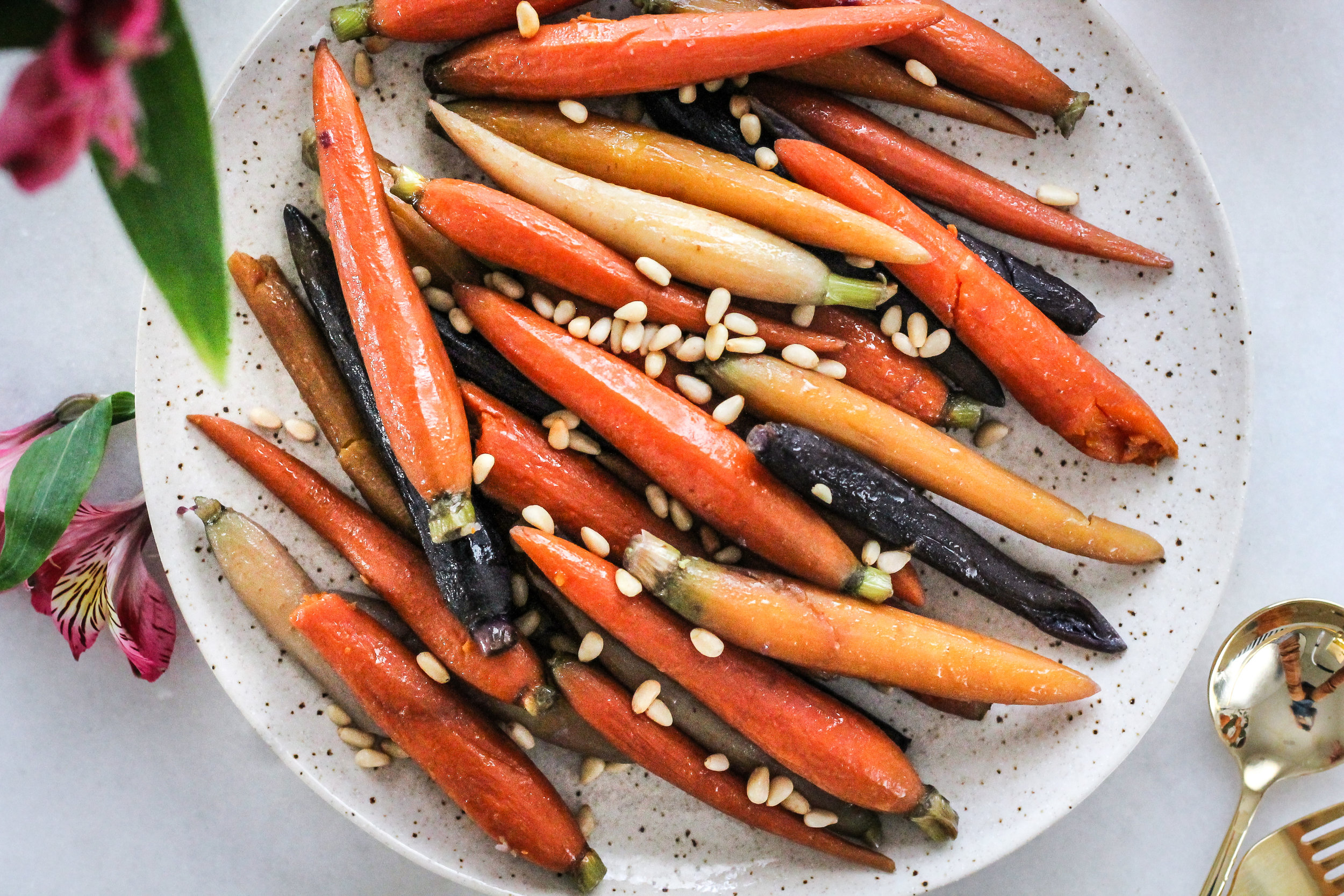 Honey Butter Carrots make the perfect holiday side dish! [ www.pedanticfoodie.com ]
