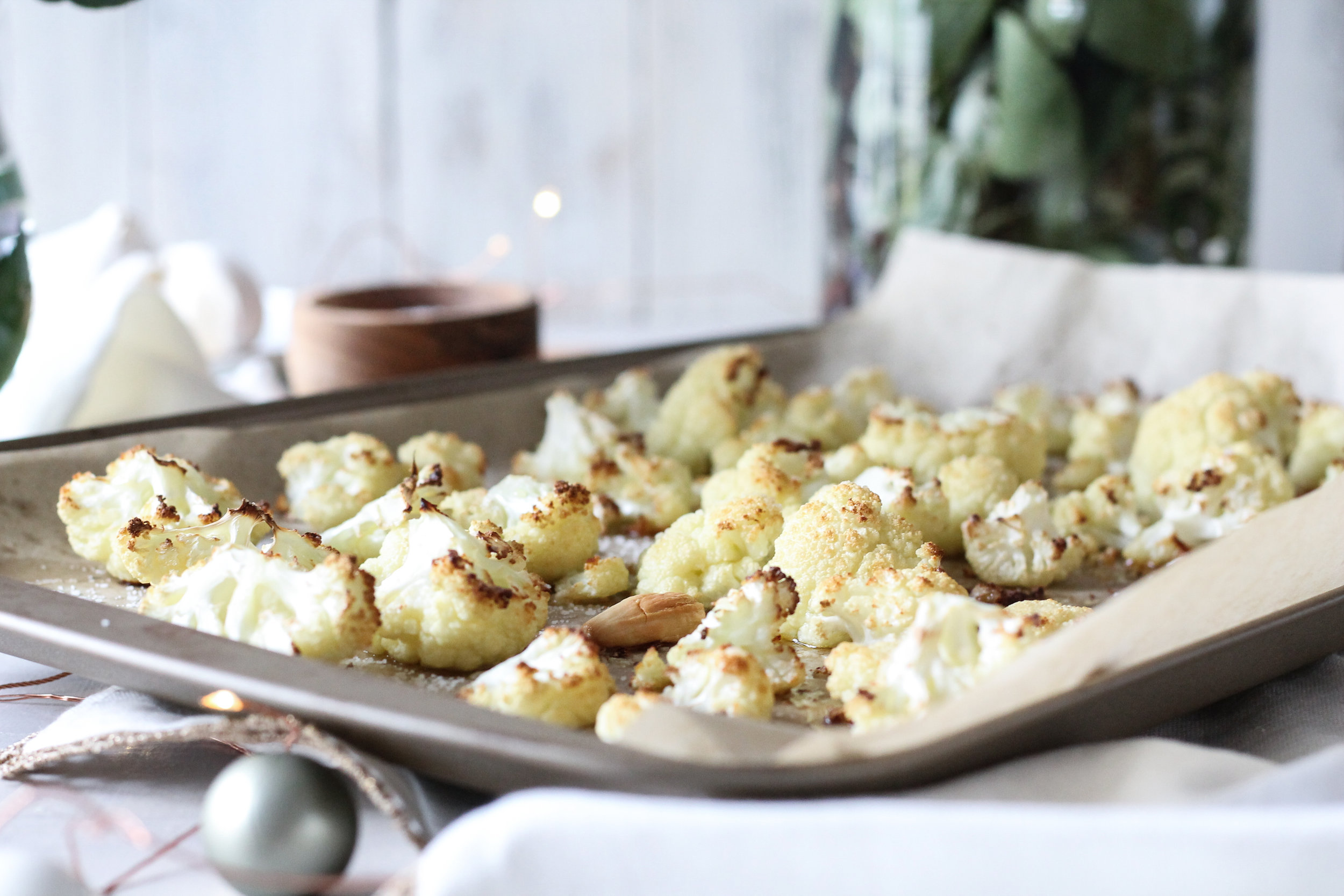 This super simple roasted cauliflower and artichoke dip is the perfect choice for your New Year's Eve party!!  [ www.pedanticfoodie.com ]