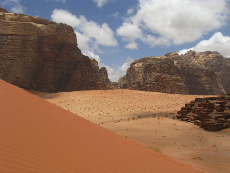 Red sand dune.JPG