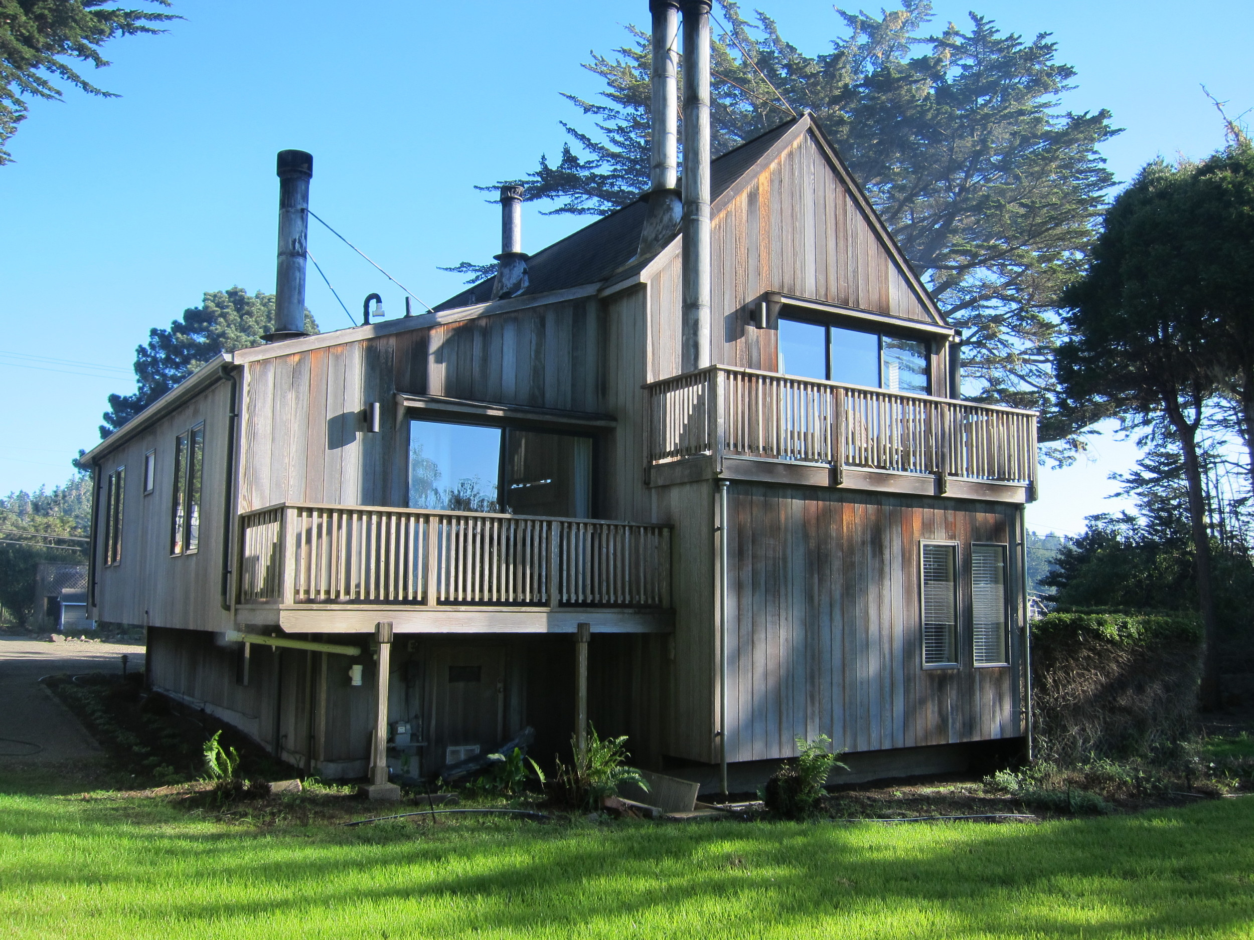 the four quarters building at cobbler's walk mendocino