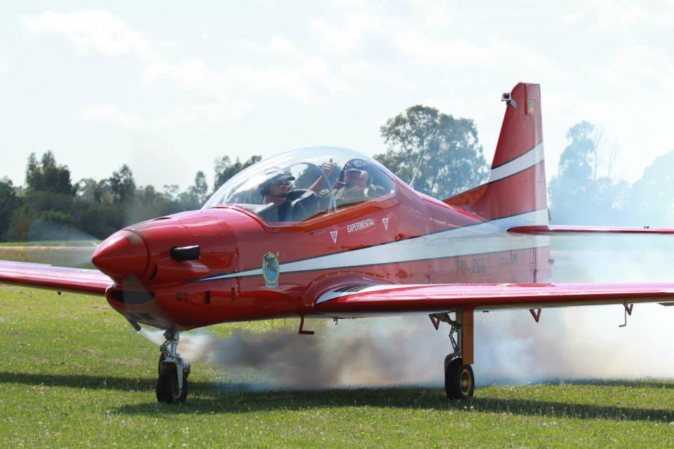Red Tucano smoke.jpg