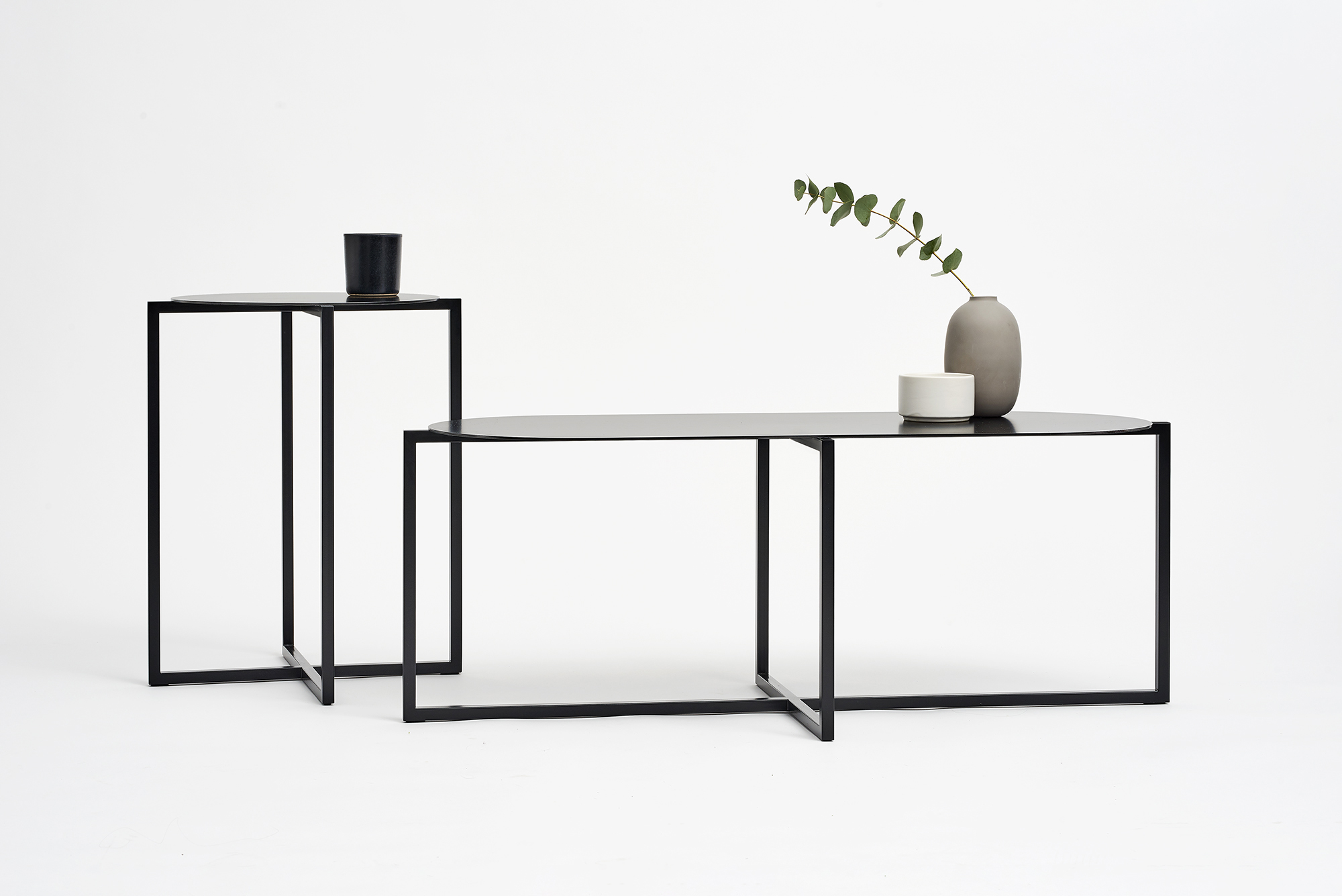 spot-coffee-tables-steel-black-set-Moskou-3.jpg