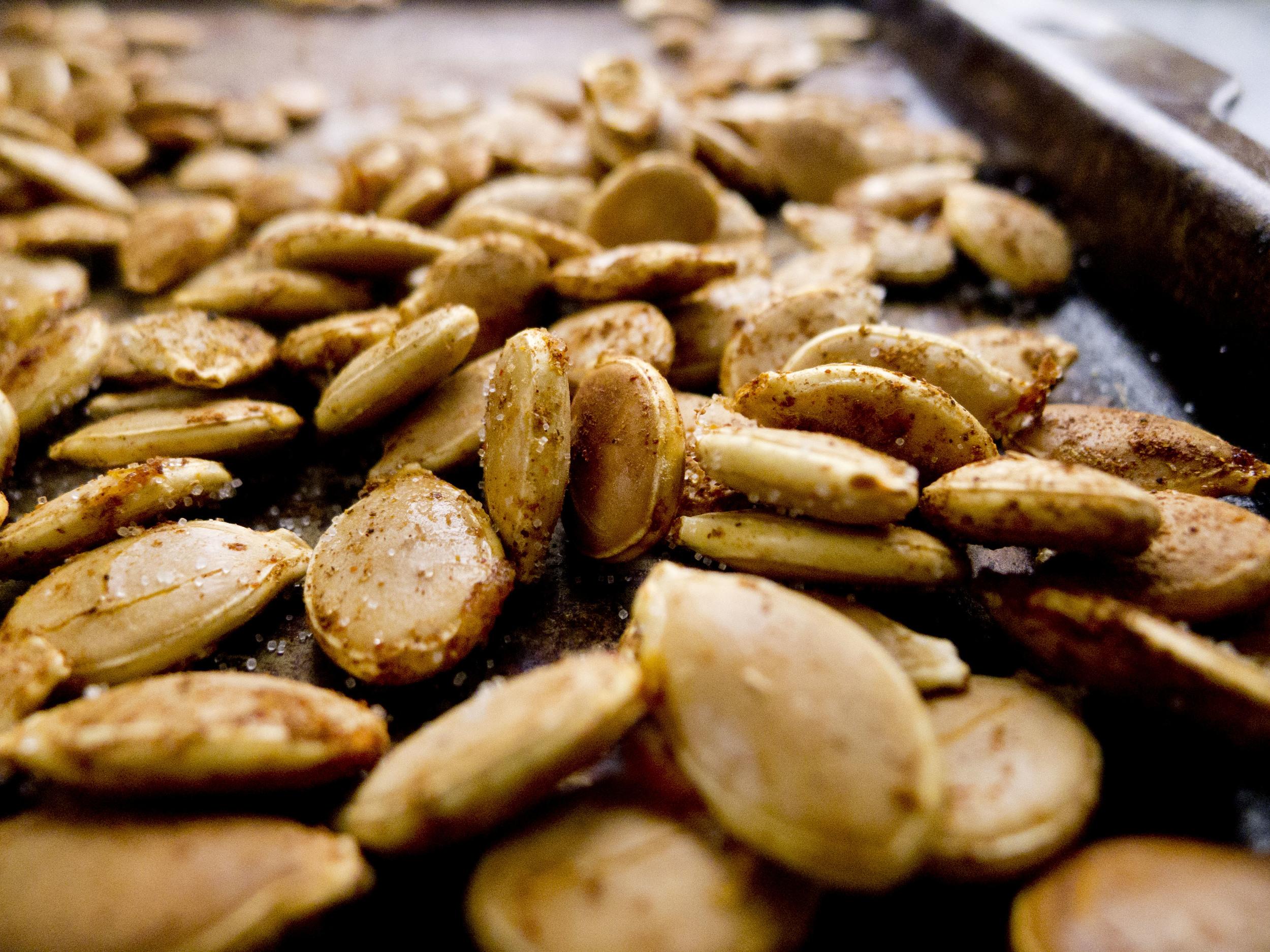 easy roasted pumpkin seeds.jpg
