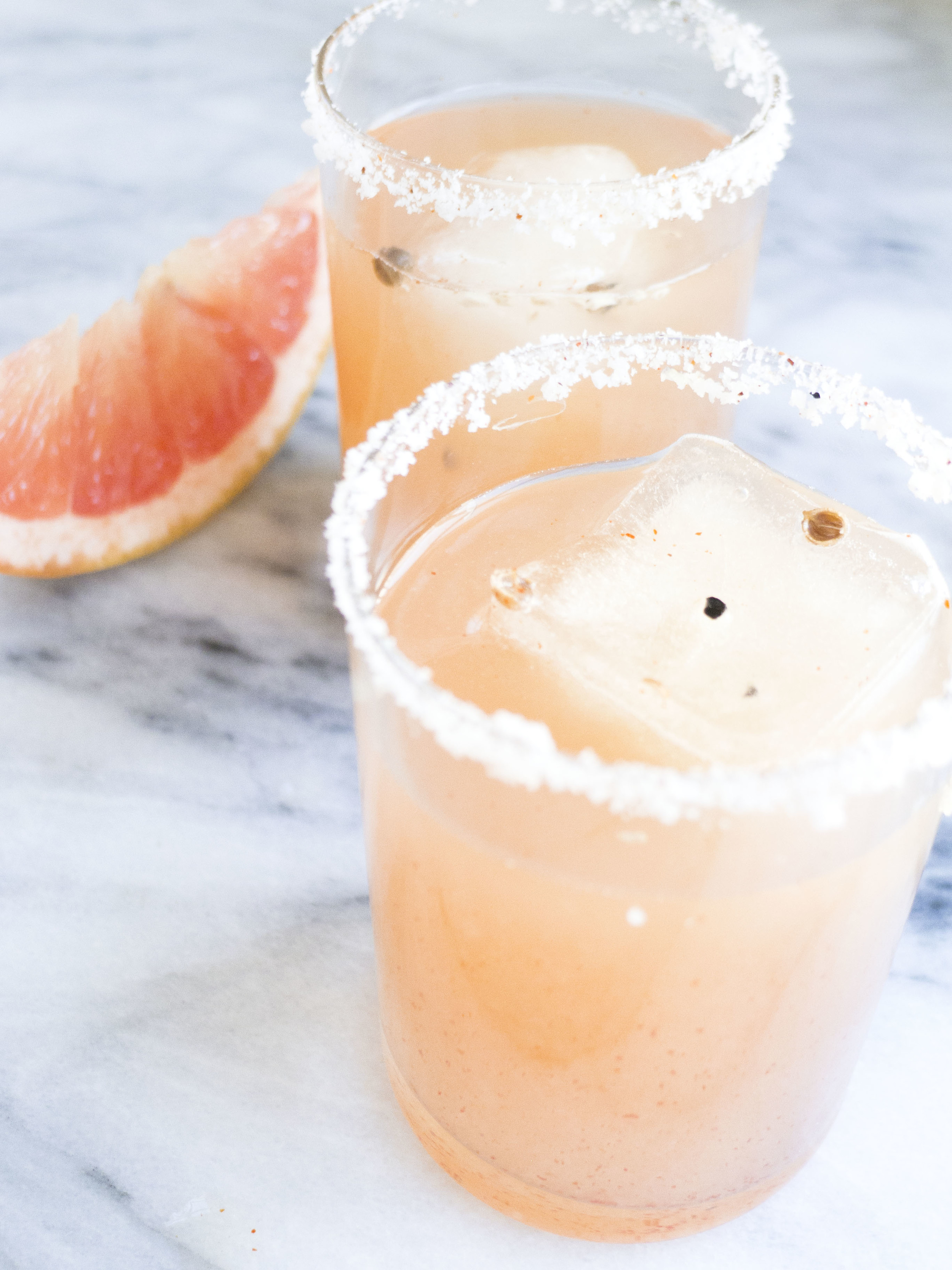 smoky spicy grapefruit margarita, clean cocktail