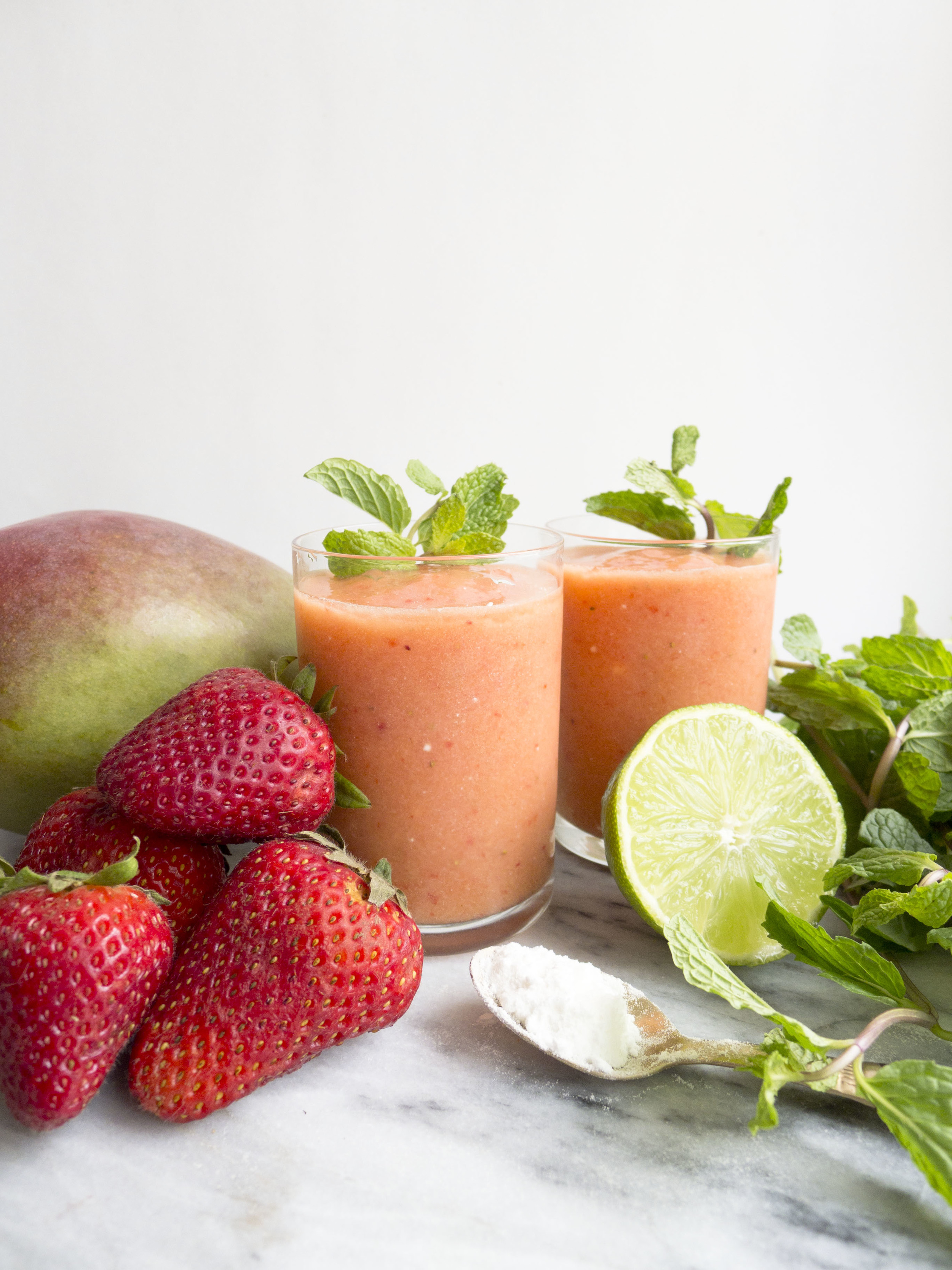 Beauty Booster Smoothie: Mango Strawberry