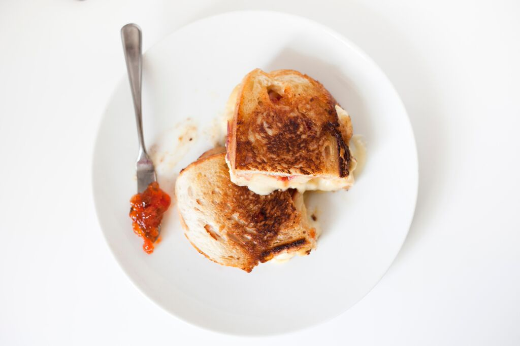 Summer Sandwich: Peach and Pepper Jelly Grilled Brie