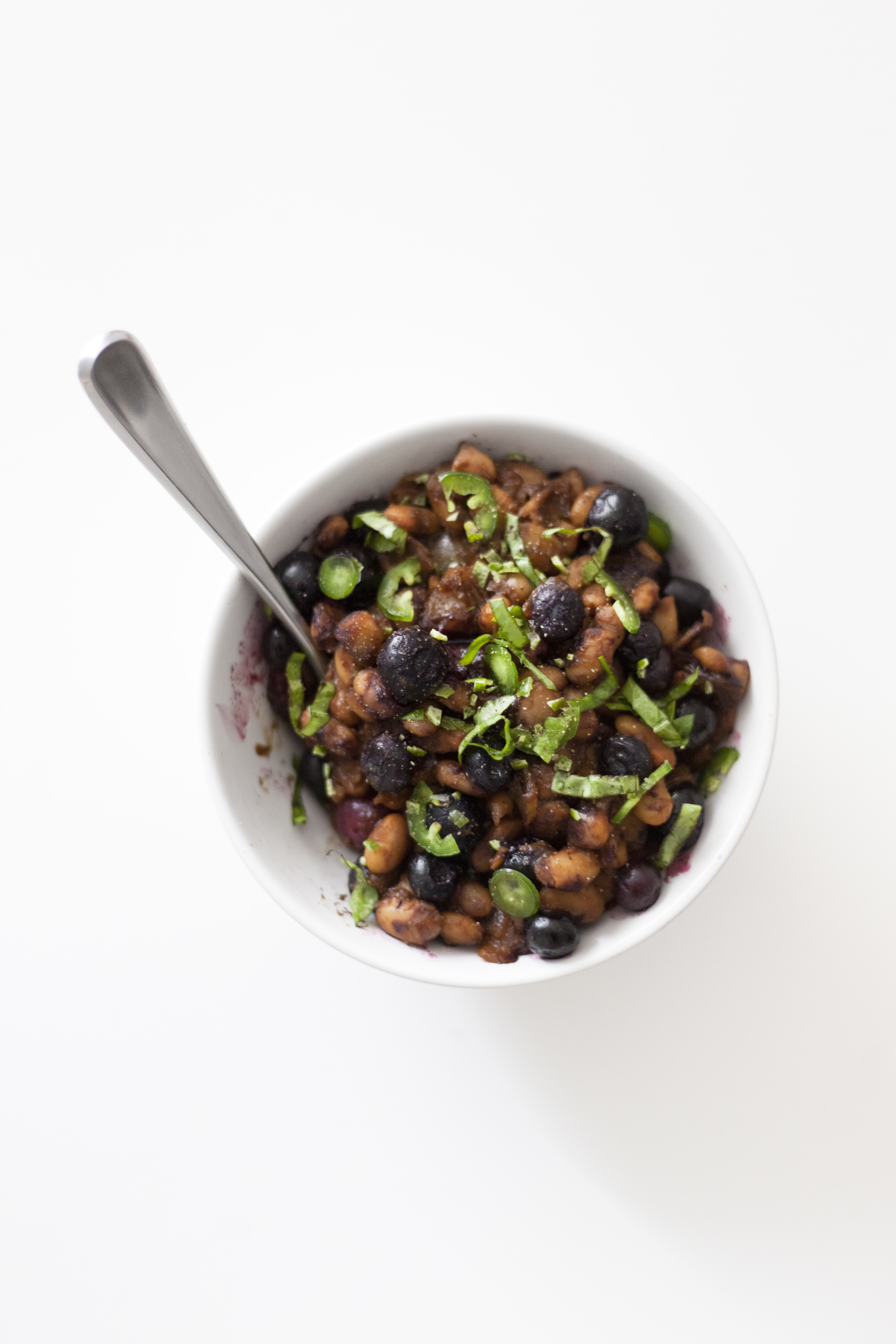 Healthy and Fast BBQ Blueberry Baked Beans