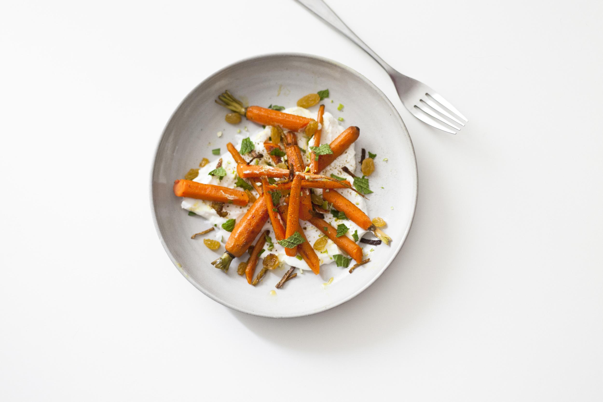 curried carrot salad with yogurt