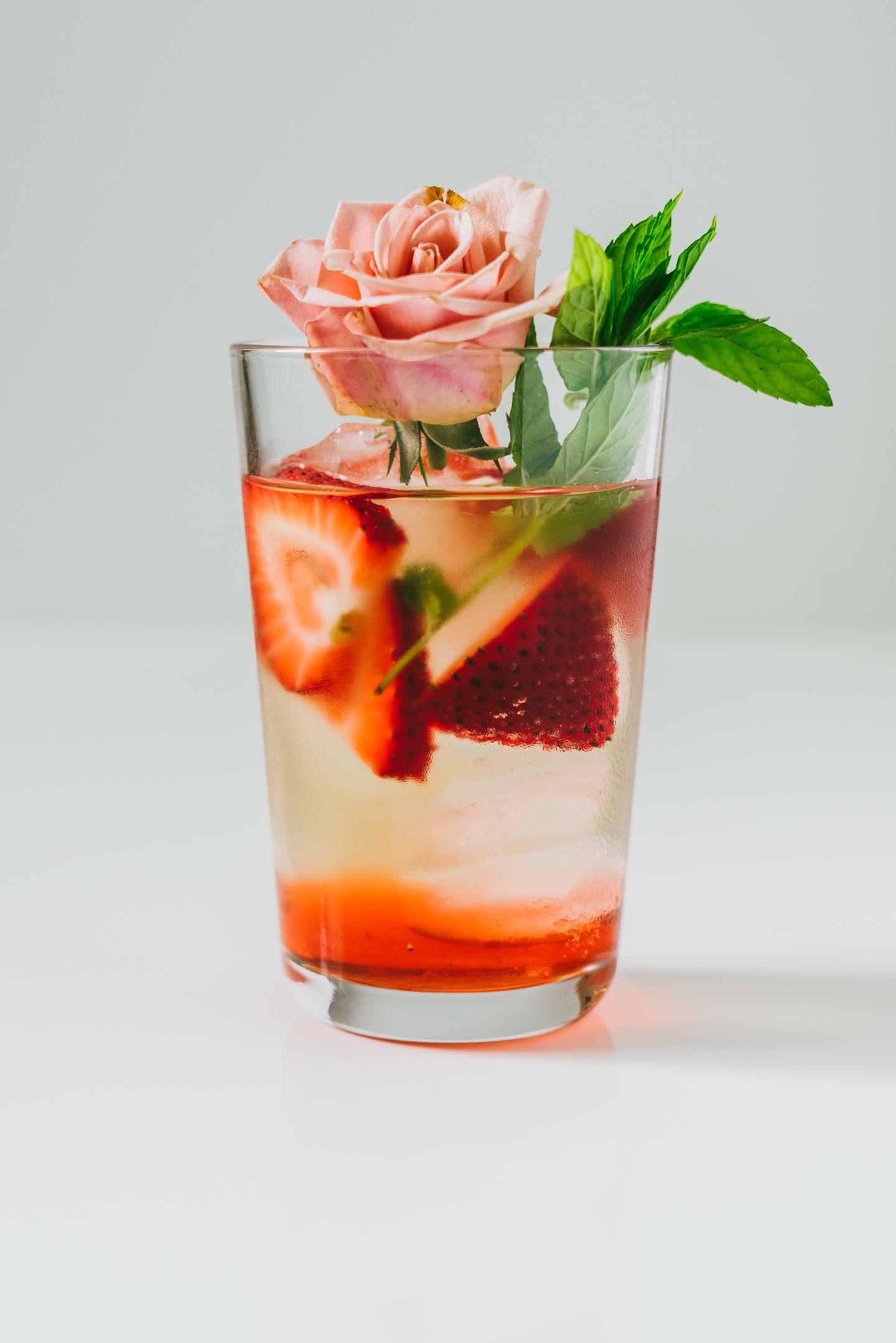 strawberry rose iced tea
