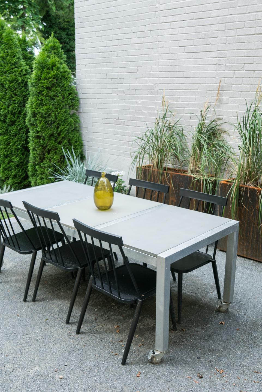 article concrete table