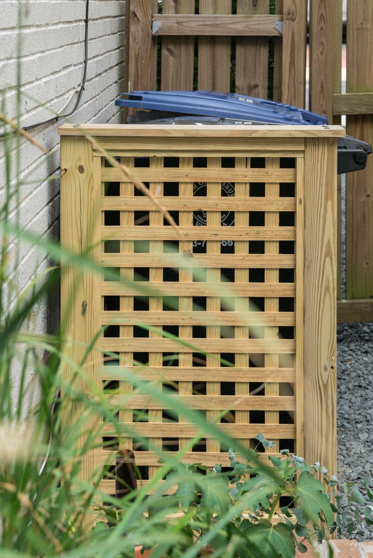 lattice trash cover