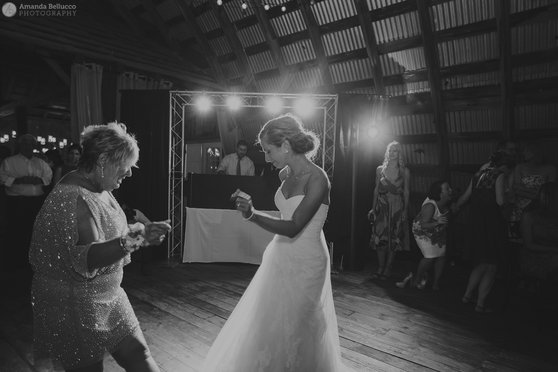 hayloft_on_the_arch_wedding_photography_79.jpg