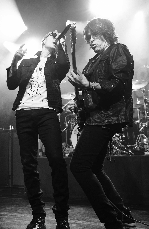 Chester Bennington & Dean DeLeo
