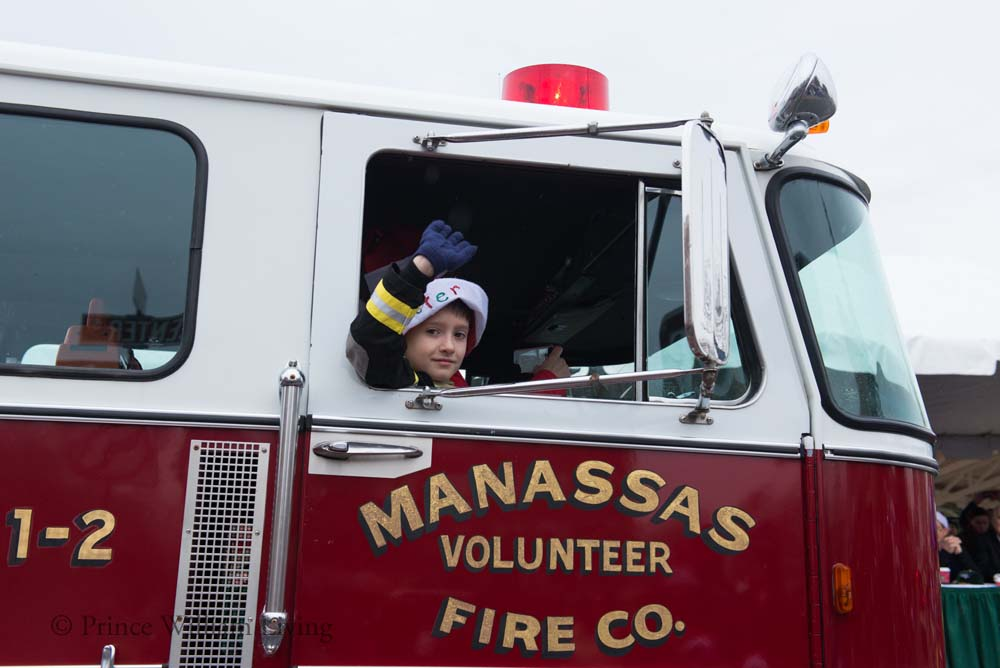PWLiving Christmas Parade  ManChristParade_RJinks (318).jpg