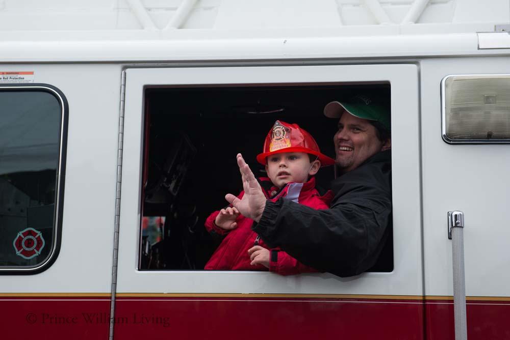 PWLiving Christmas Parade  ManChristParade_RJinks (325).jpg