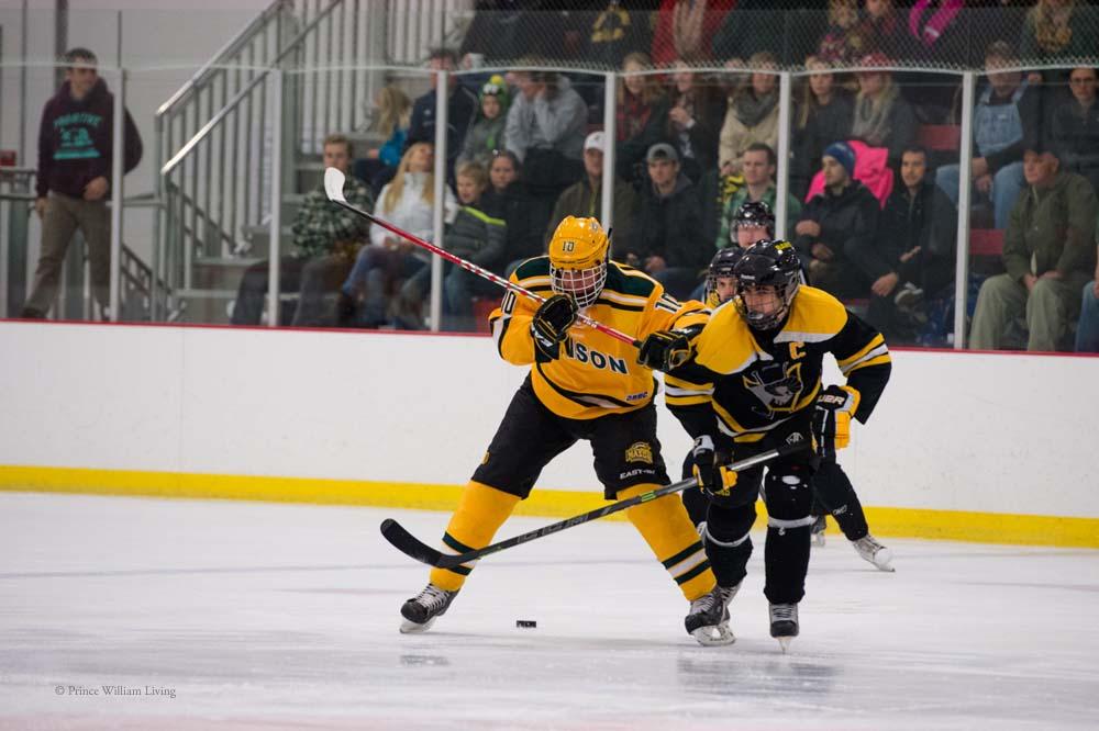 PWLiving GMU VCU HockeyGMU_VA_hockey_RJinks (4).jpg