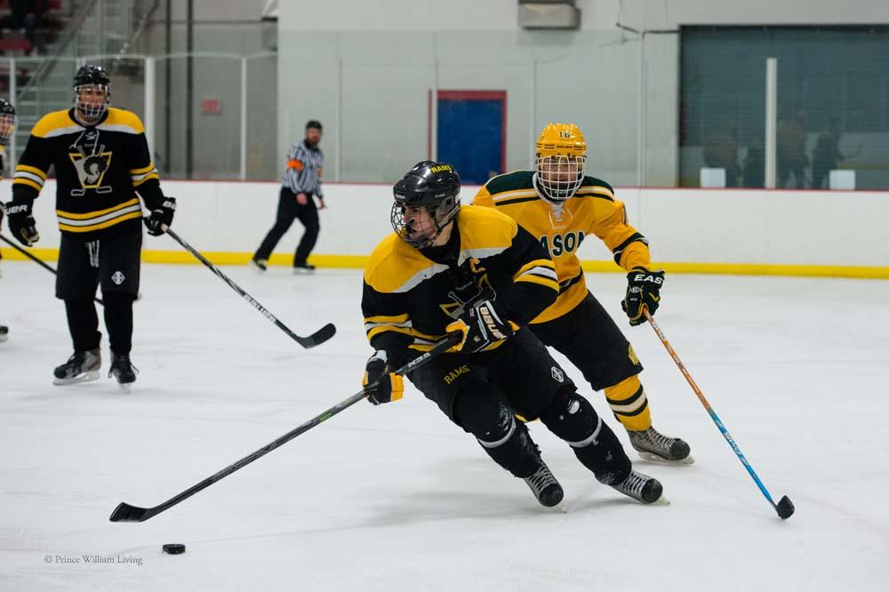 PWLiving GMU VCU HockeyGMU_VA_hockey_RJinks (7).jpg