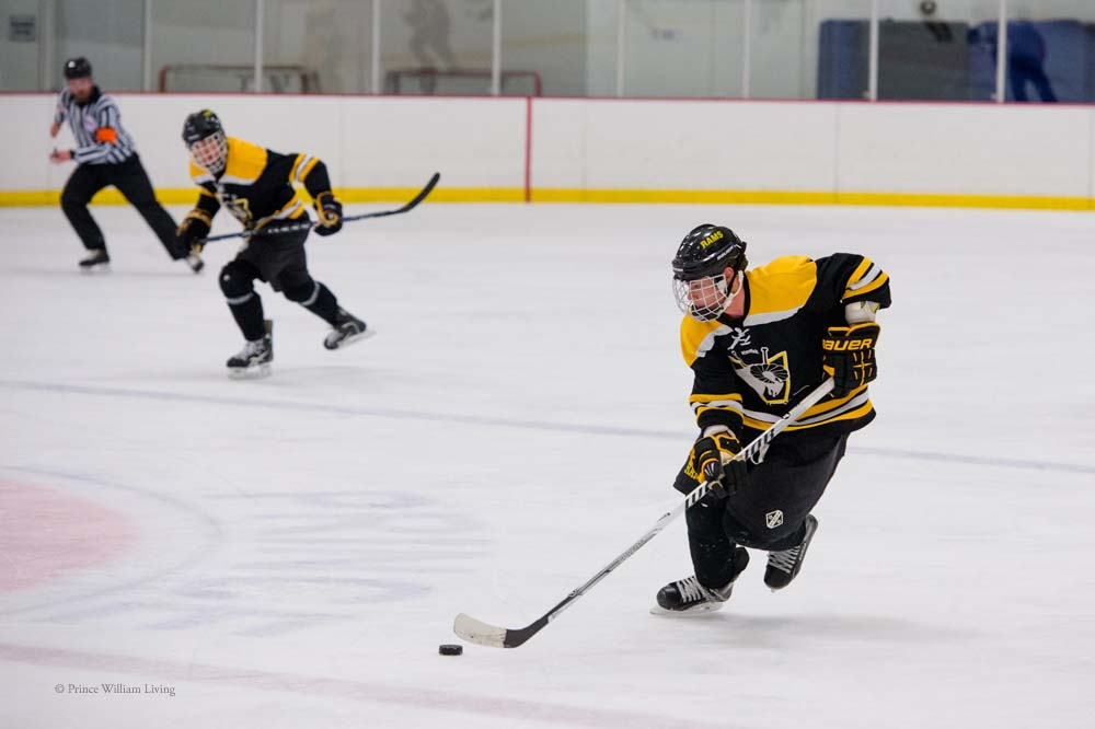 PWLiving GMU VCU HockeyGMU_VA_hockey_RJinks (9).jpg