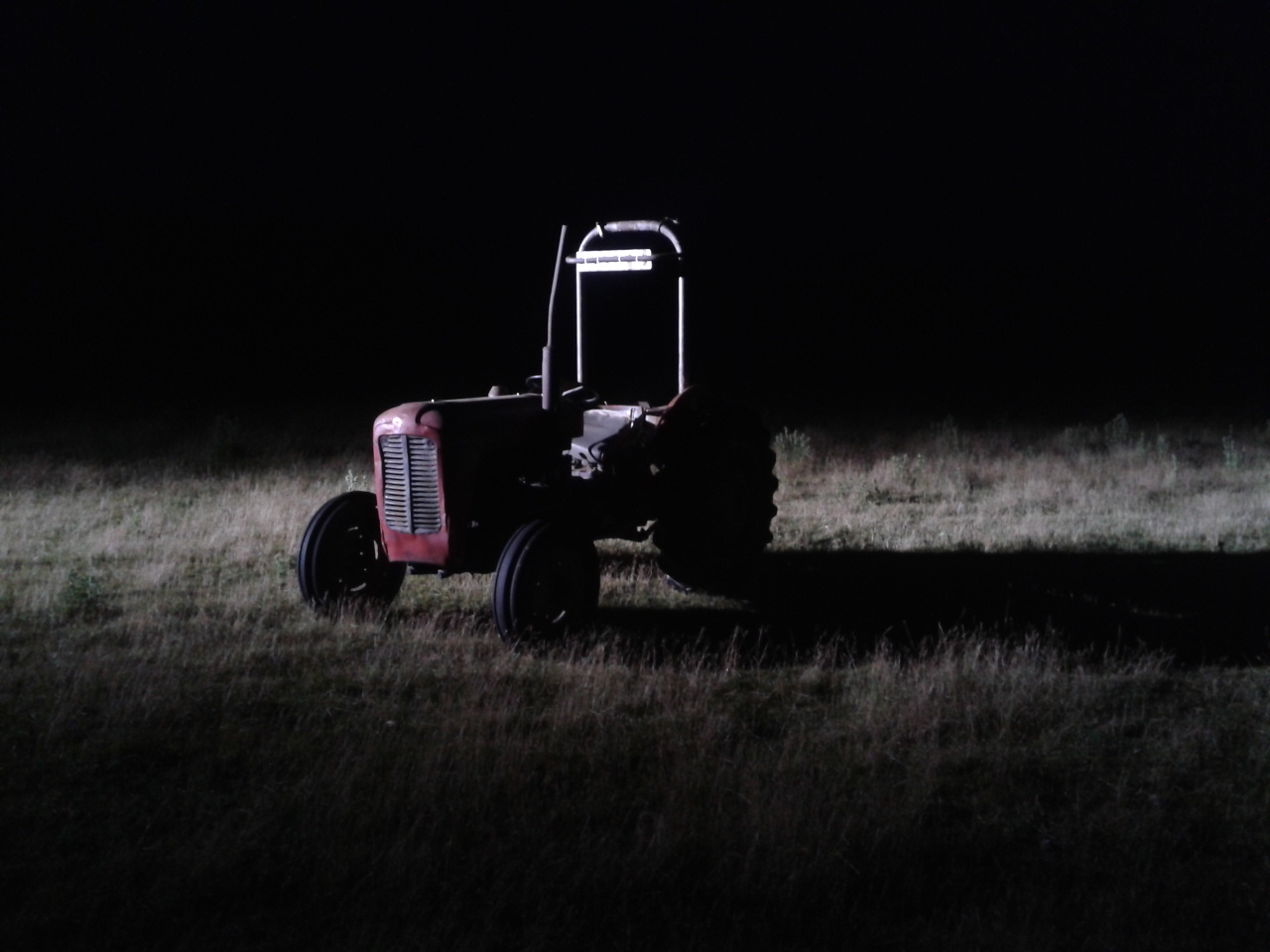 Only being able to afford to hire an HMI for 2 nights, the pressure was on for us to capture the tractor scenes on time.