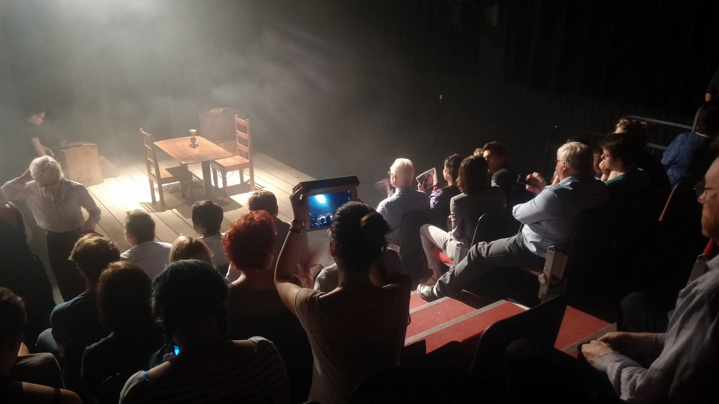 extras in theatre