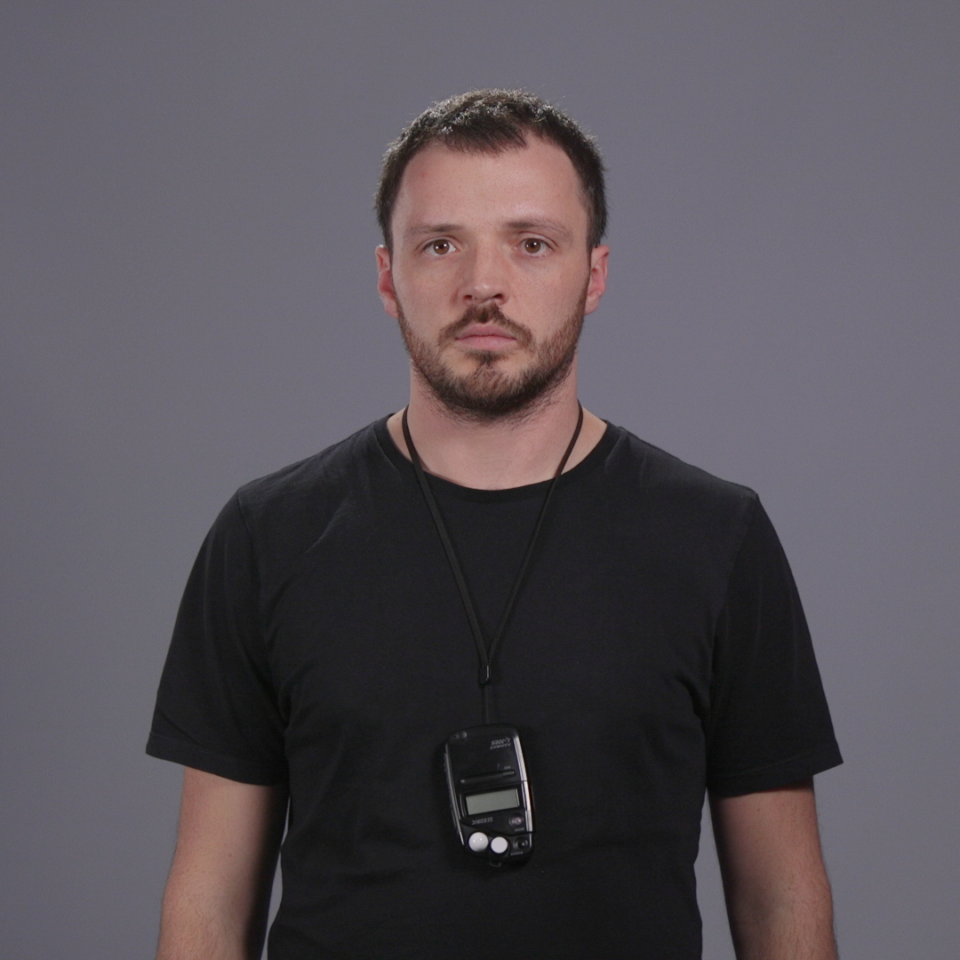 Background lights off = higher contrast. Me likey (despite it being a wonderful blend of 90's school photo and mugshot)
