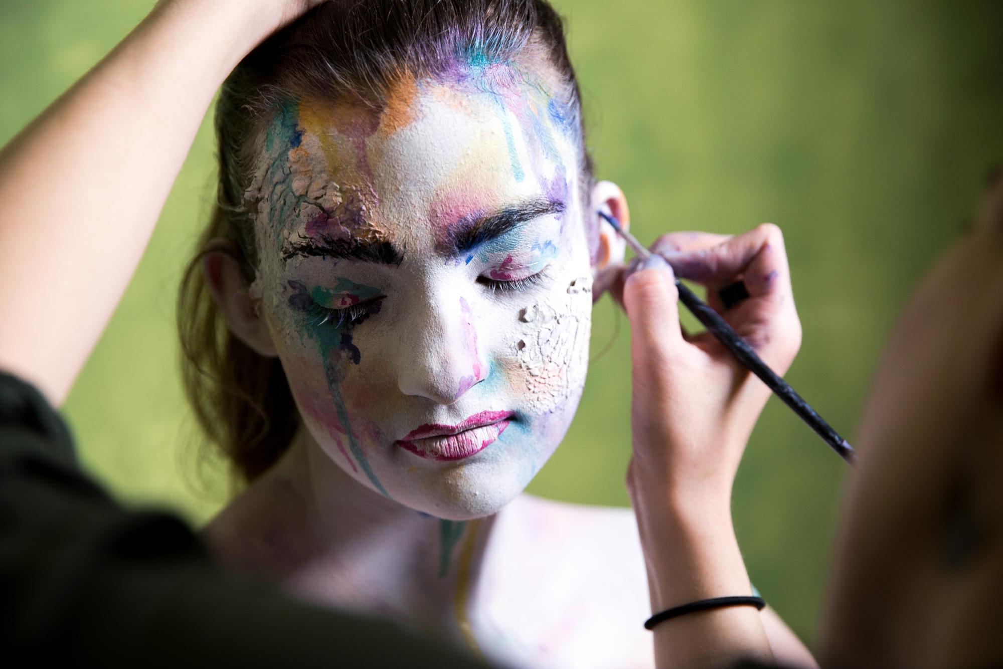 Mariam adding color...