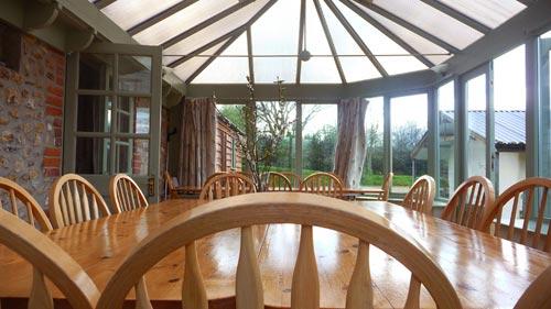 Dining-conservatory-at-Bonhays-Meditation-and-Retreats-500.jpg